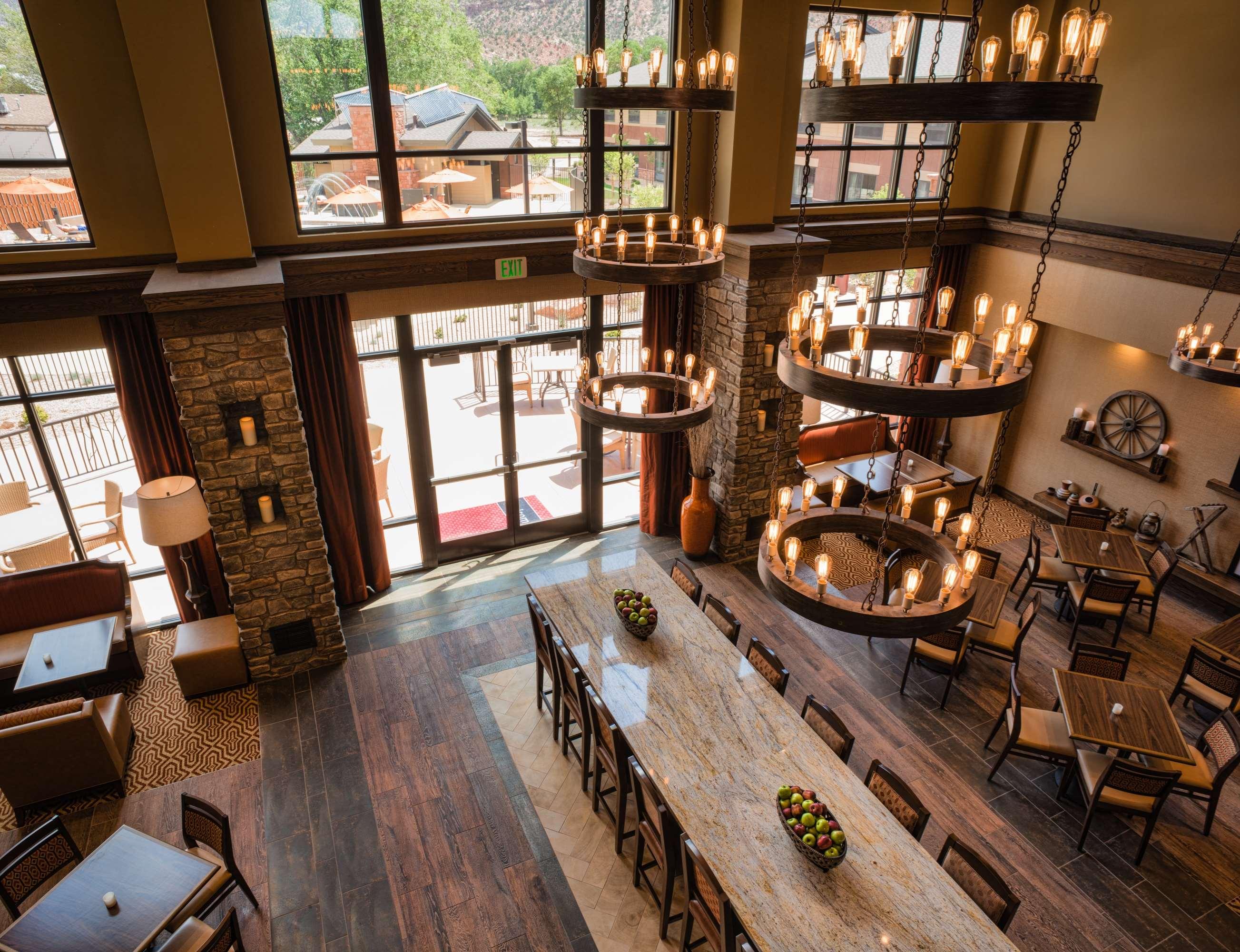 Hampton Inn & Suites Springdale/Zion National Park image 6