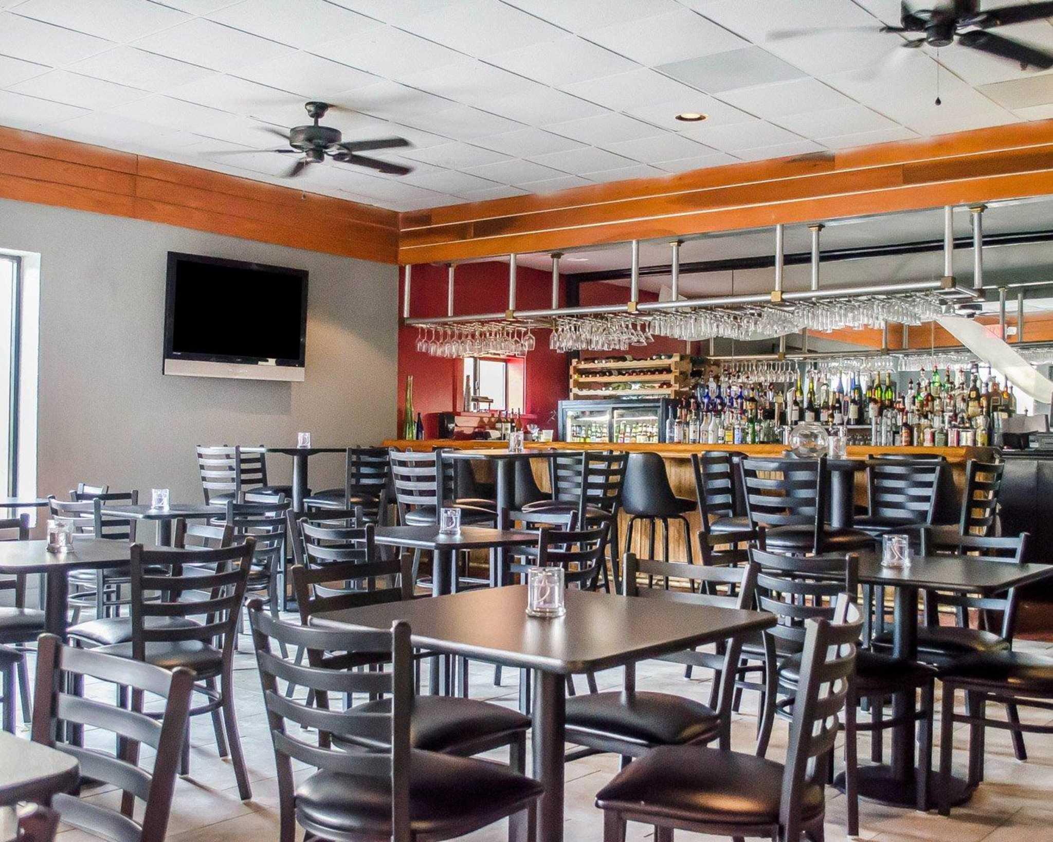 Quality Inn & Suites Pensacola Bayview in Pensacola, FL, photo #4