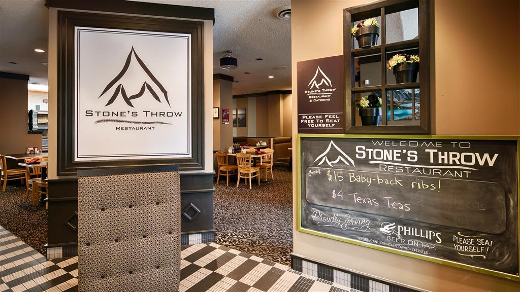 Best Western Plus Carlton Plaza Hotel in Victoria: Onsite Restaurant