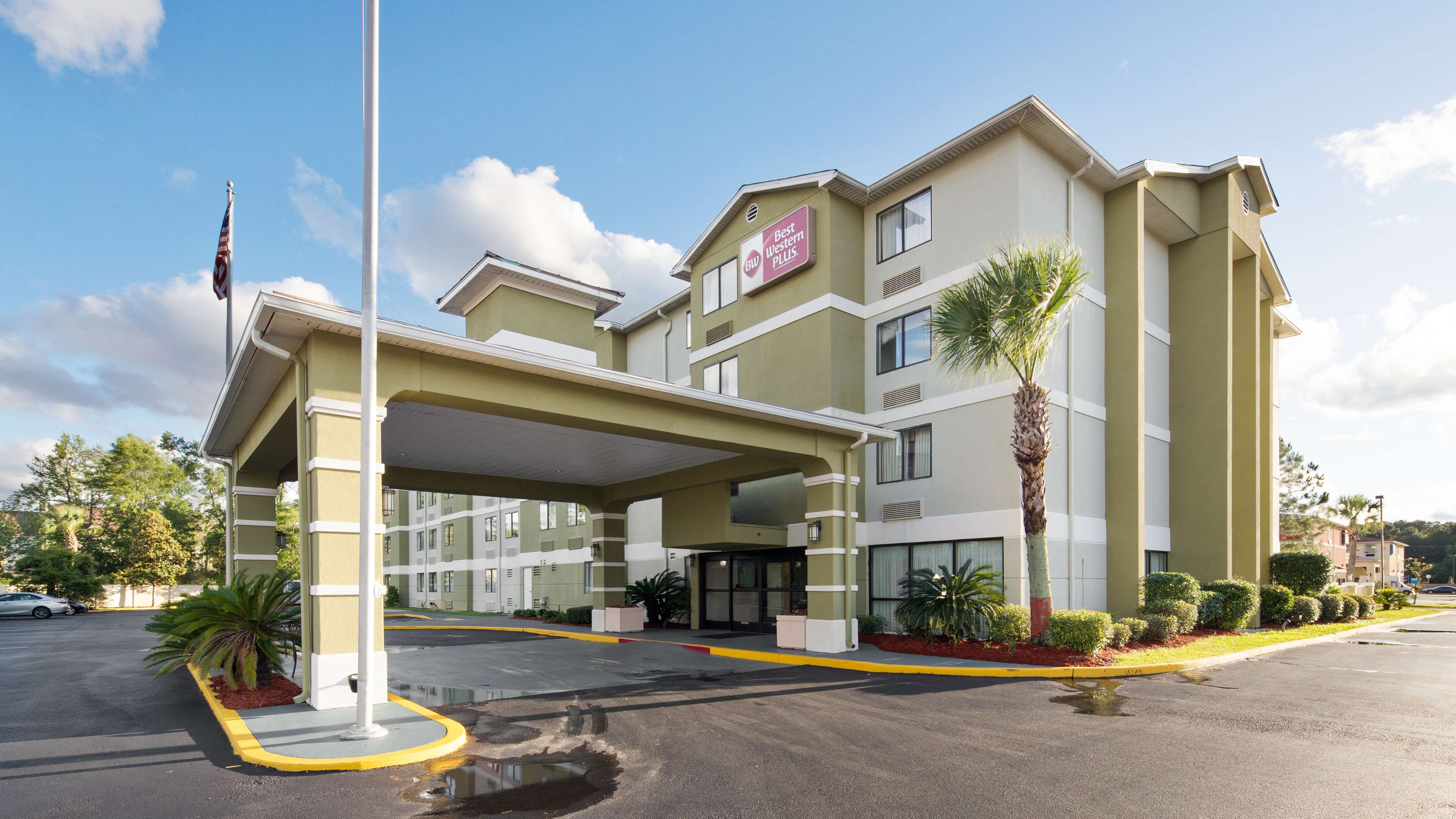 Best Western Plus Cypress Creek image 0