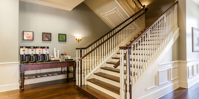 Hampton Inn & Suites Savannah Historic District image 10