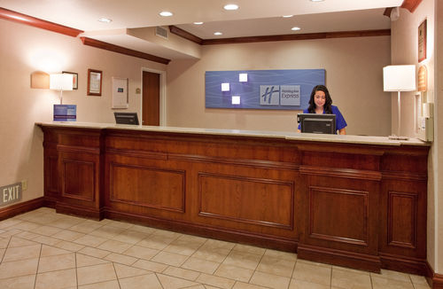 Holiday Inn Express & Suites Lawrence image 1