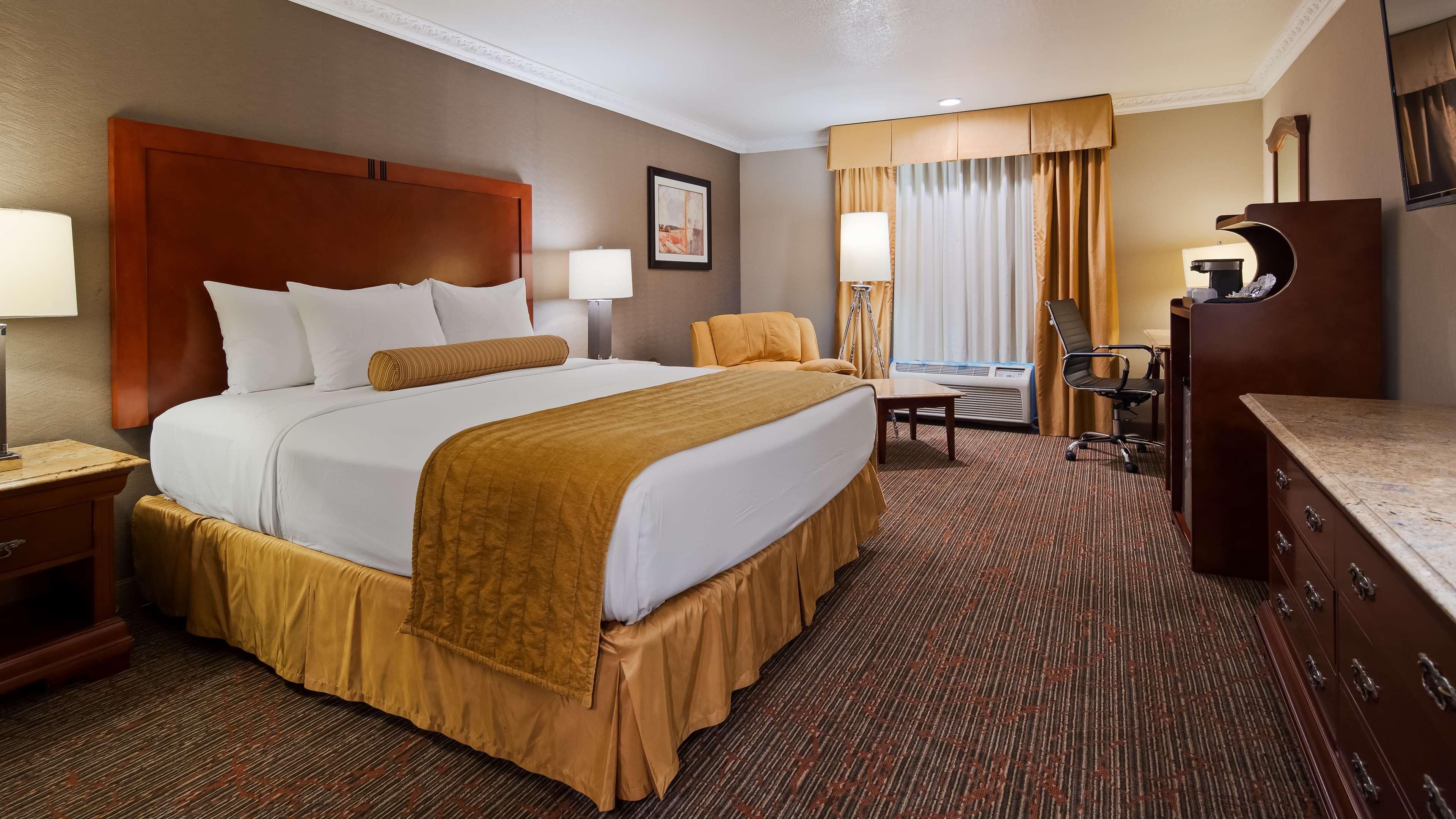Best Western Plus Newport Mesa Inn image 5