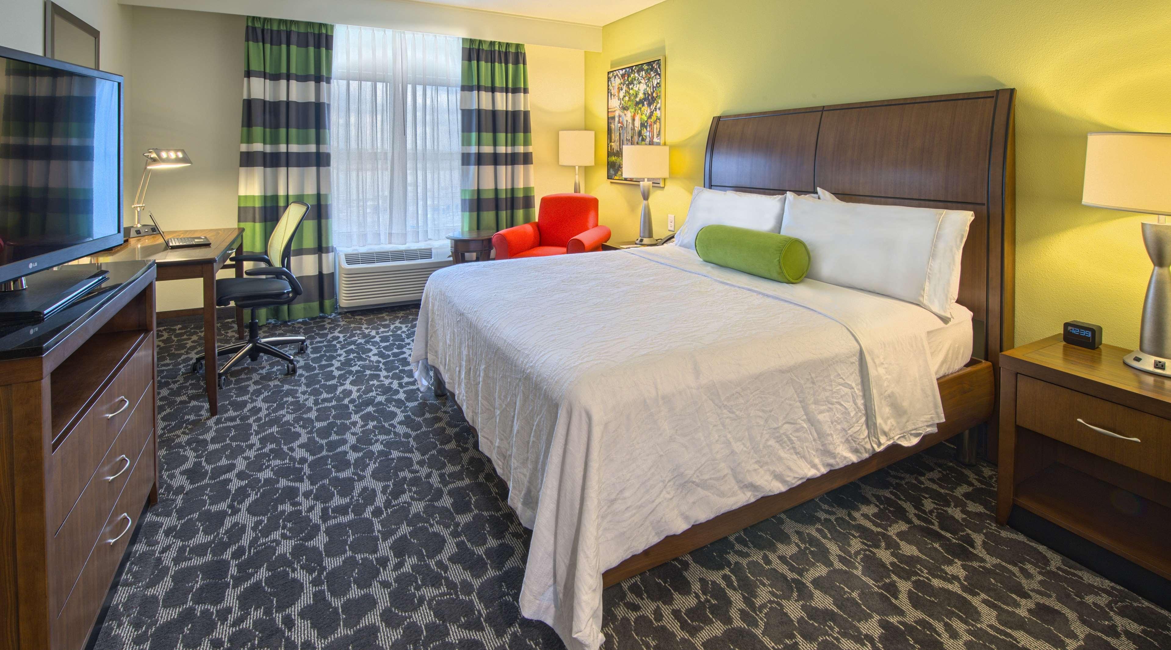 Hilton Garden Inn Charleston Waterfront/Downtown image 17
