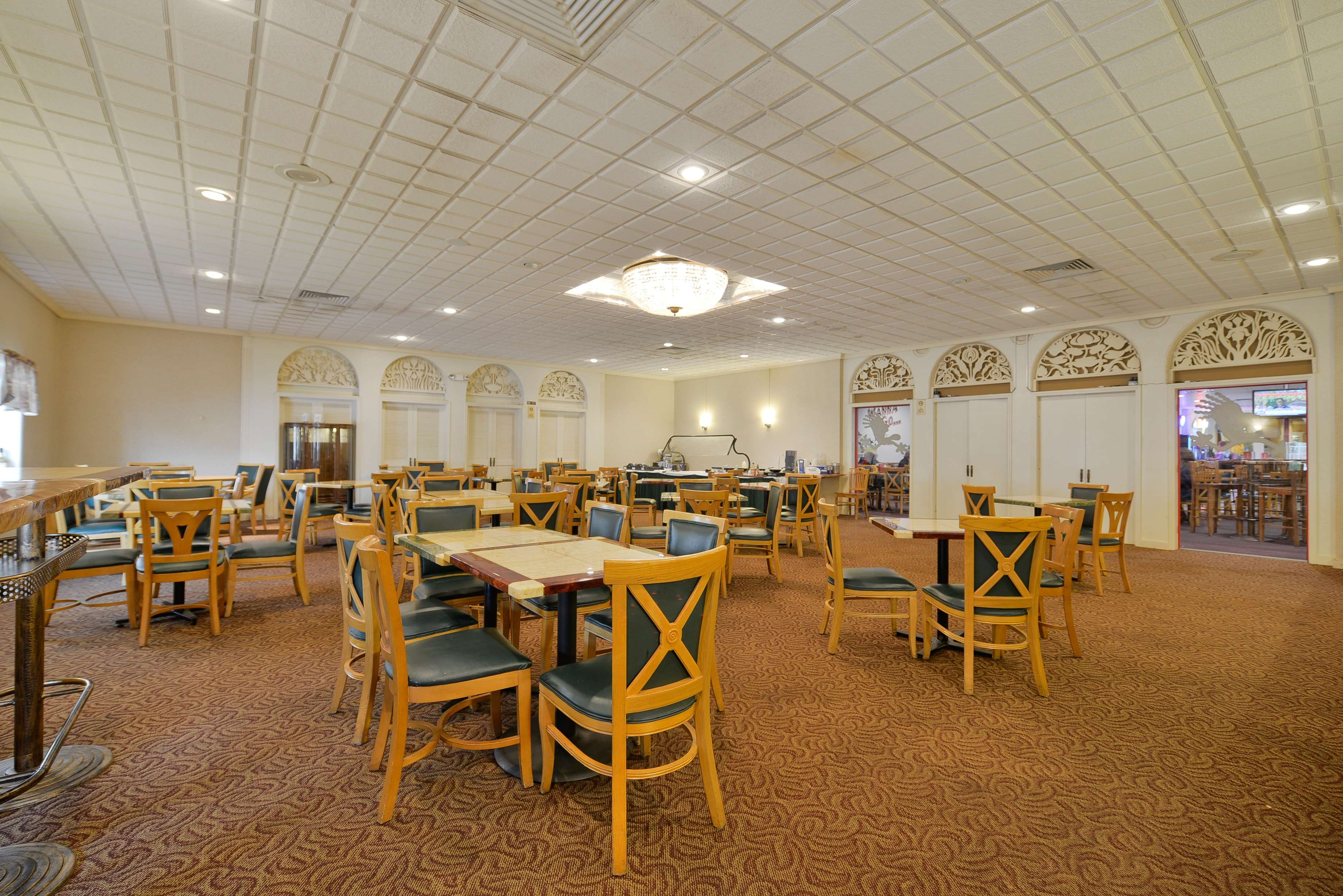 Best Western Green Bay Inn Conference Center image 28