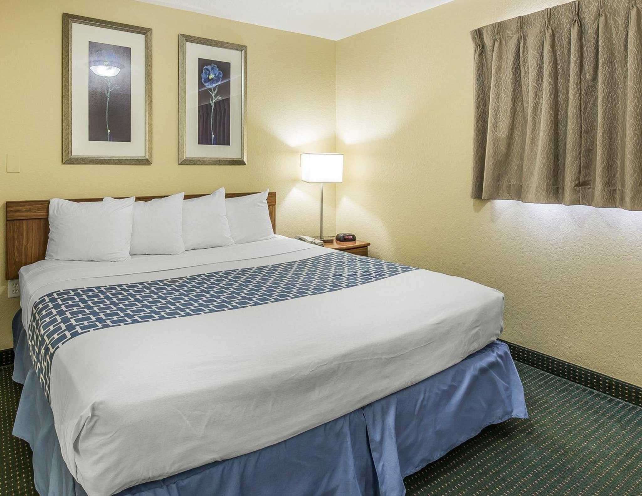 Suburban Extended Stay Hotel image 17