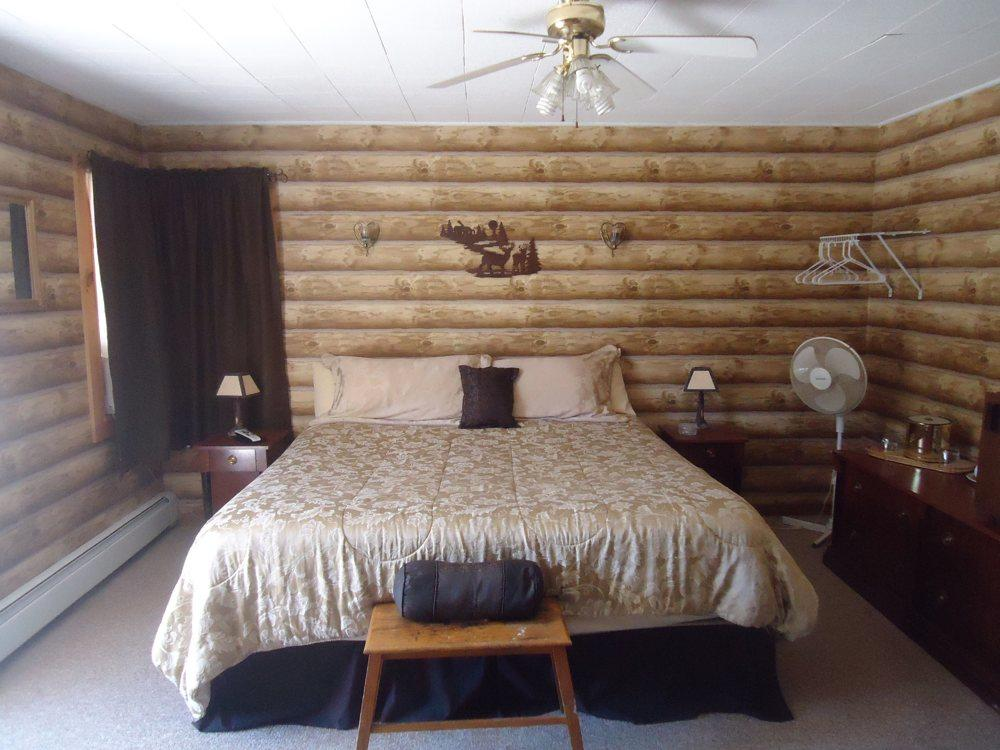 Pioneer Motel image 2