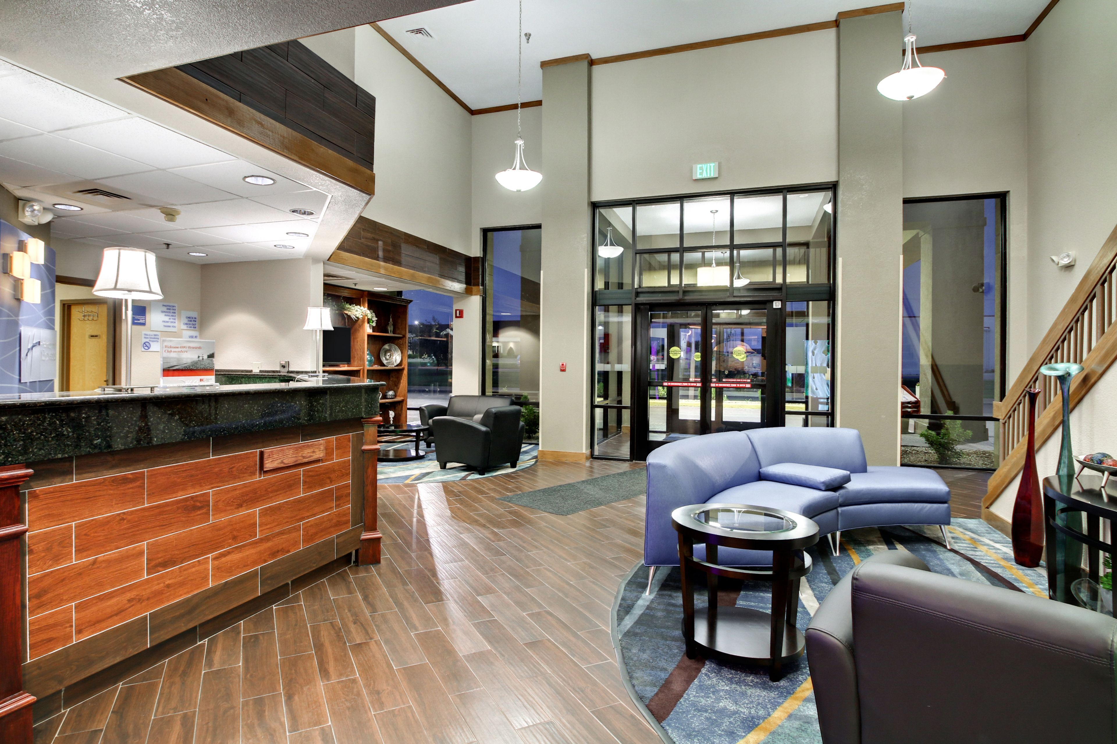 Holiday Inn Express Marshfield (Springfield Area) image 3