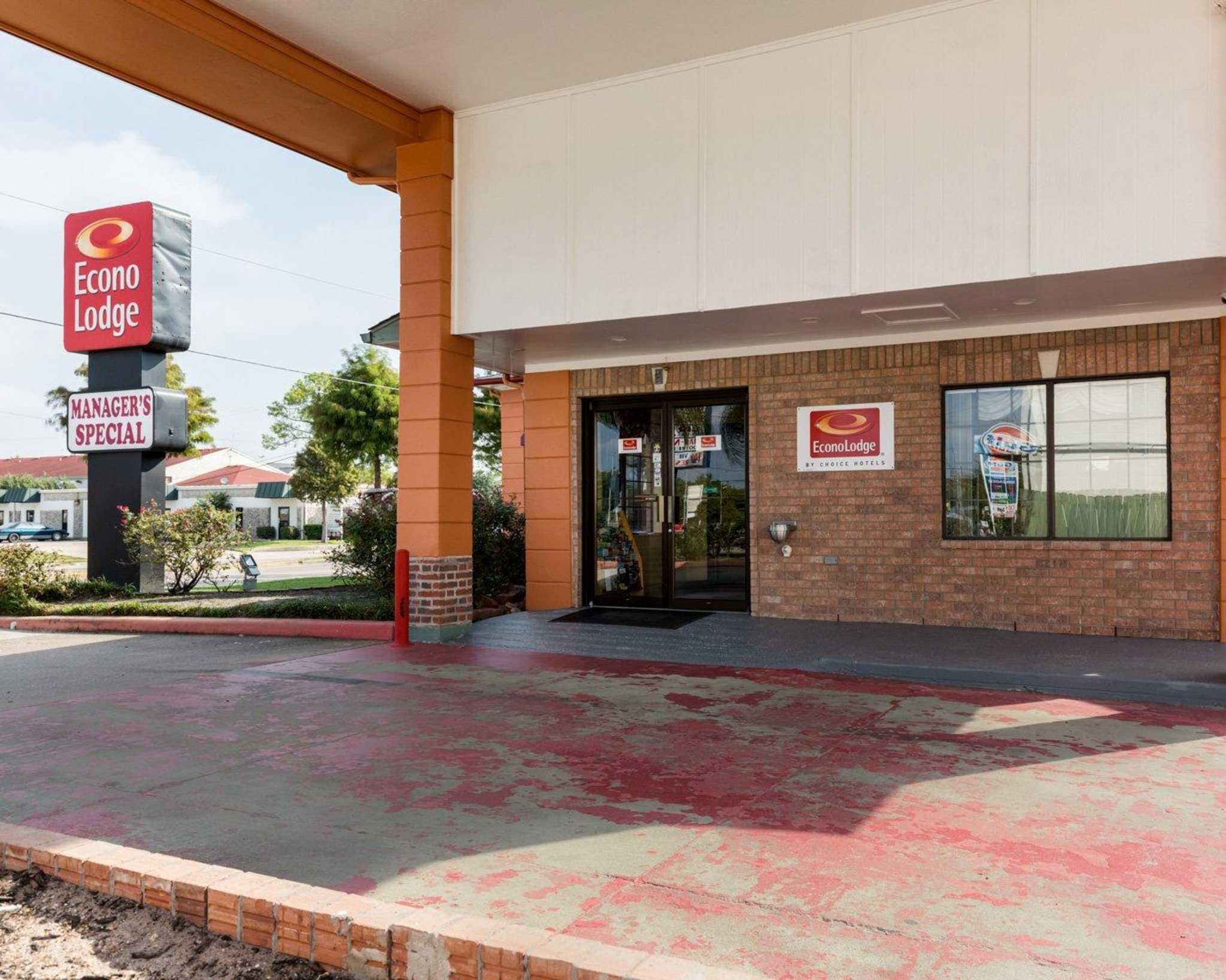 Econo Lodge Houston Hobby At 9000 Airport Blvd Houston