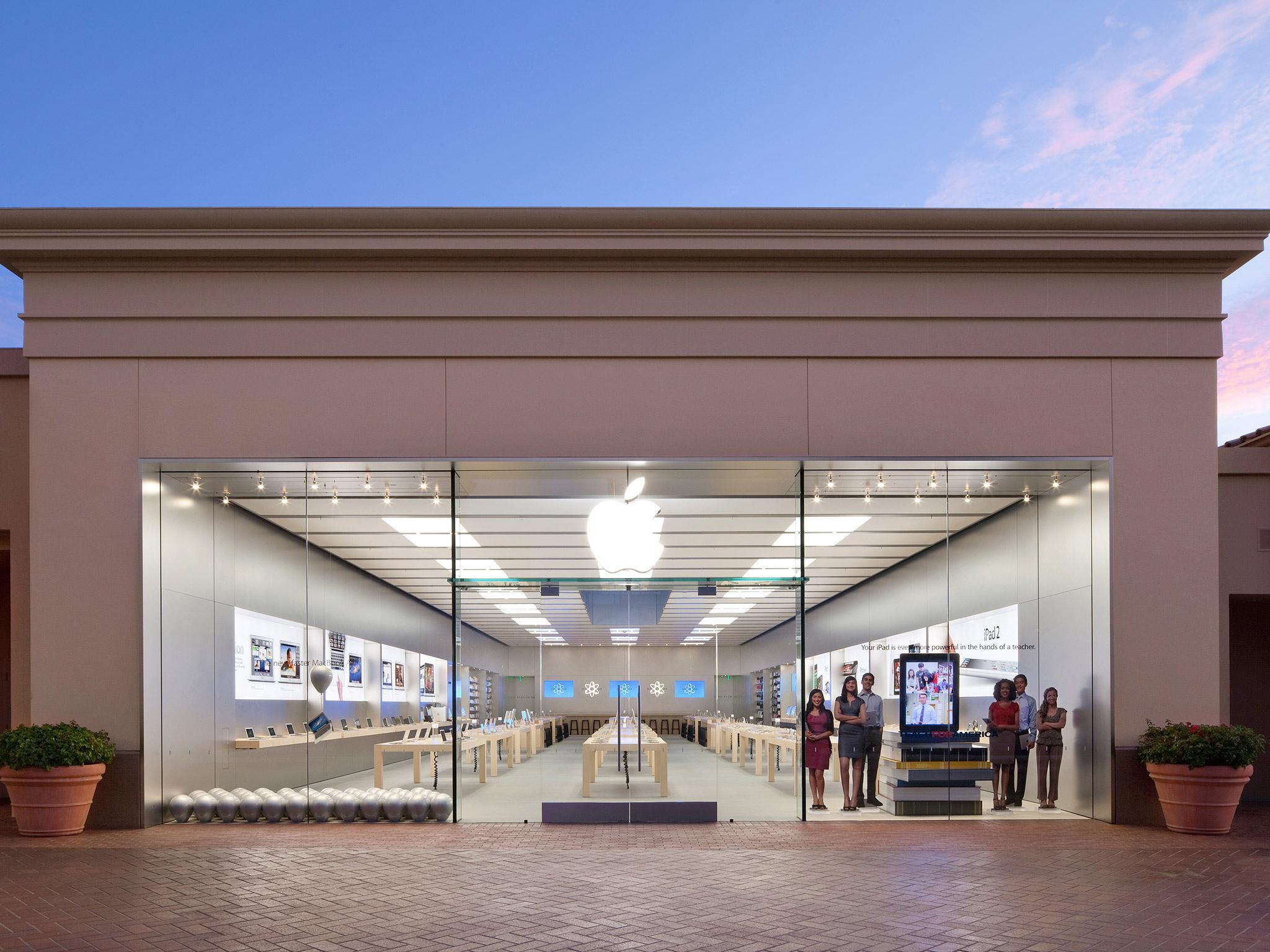 Apple Store Fashion Drive