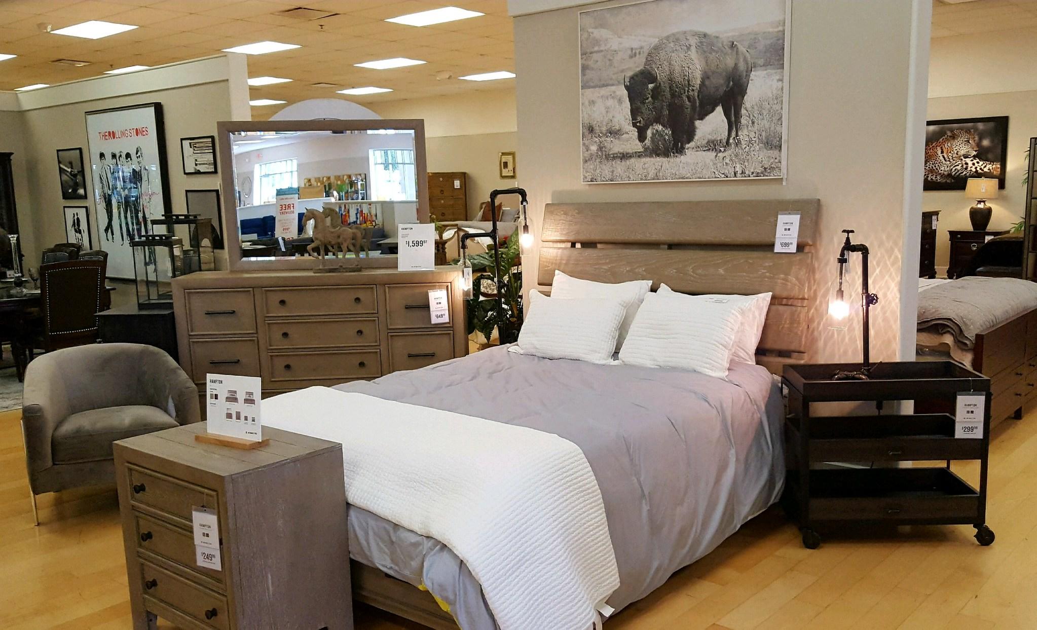 American Signature Furniture image 6