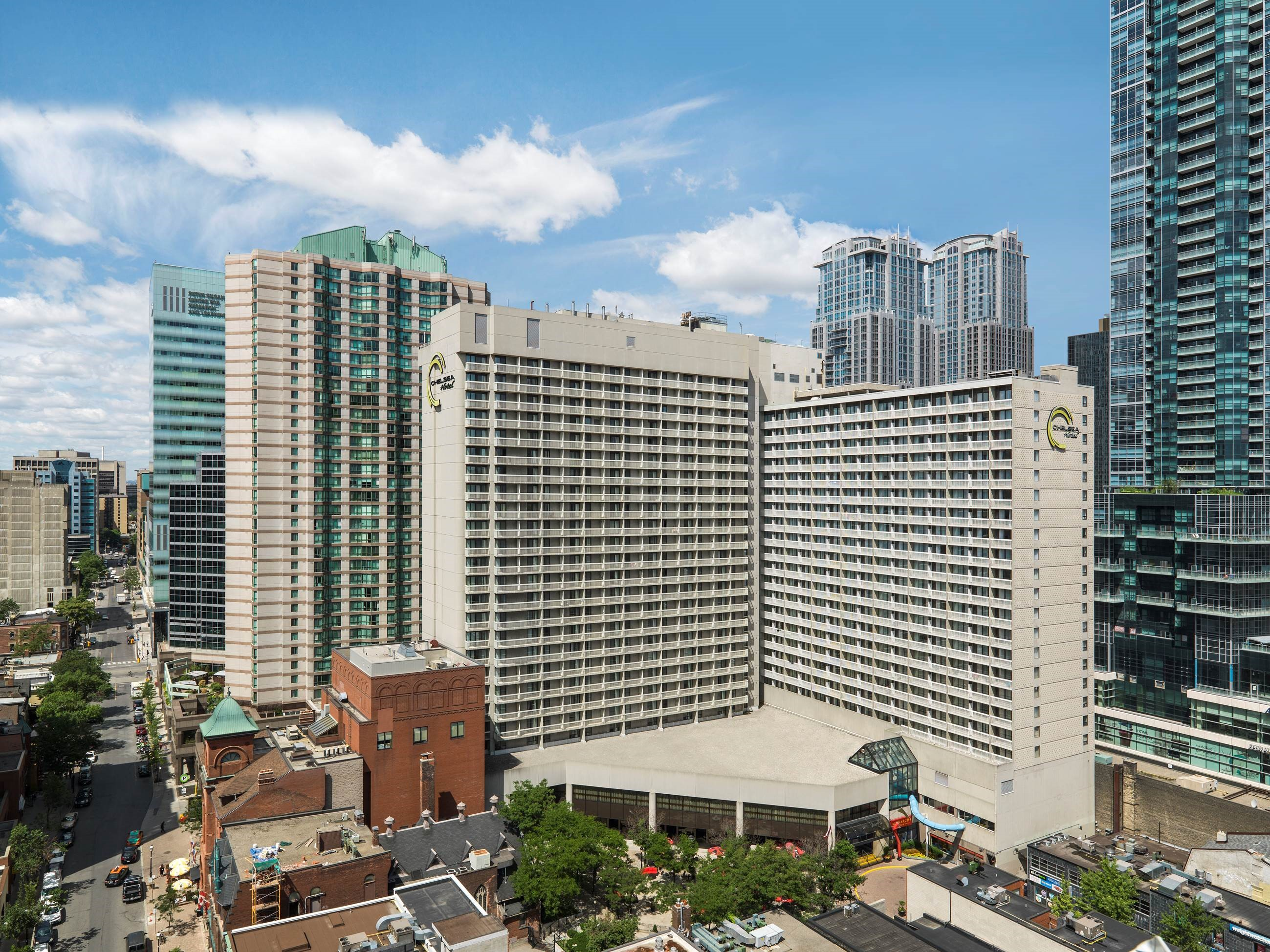 CHELSEA HOTEL, TORONTO in Toronto: Chelsea Hotel Daytime