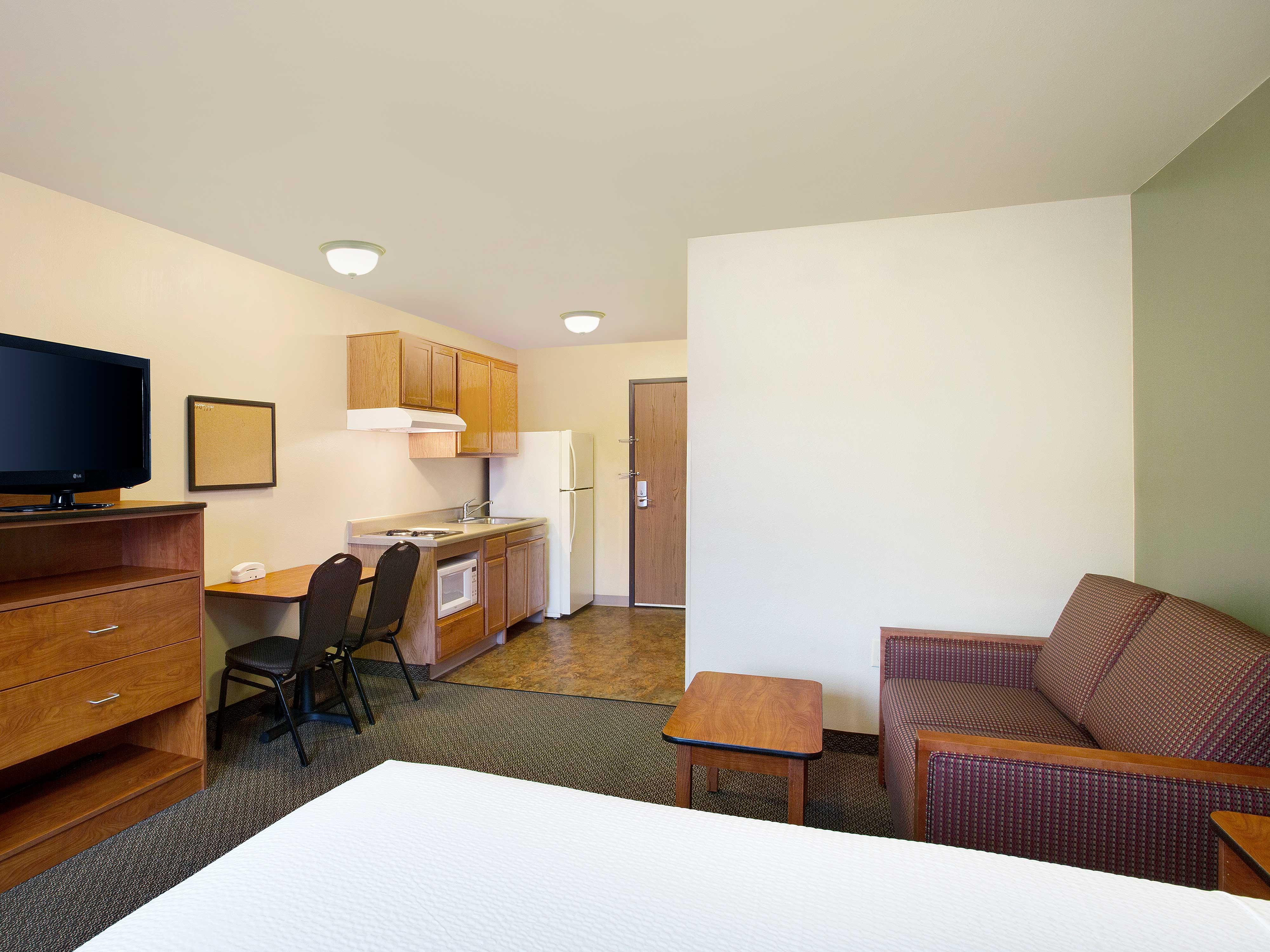 WoodSpring Suites Richmond West image 12