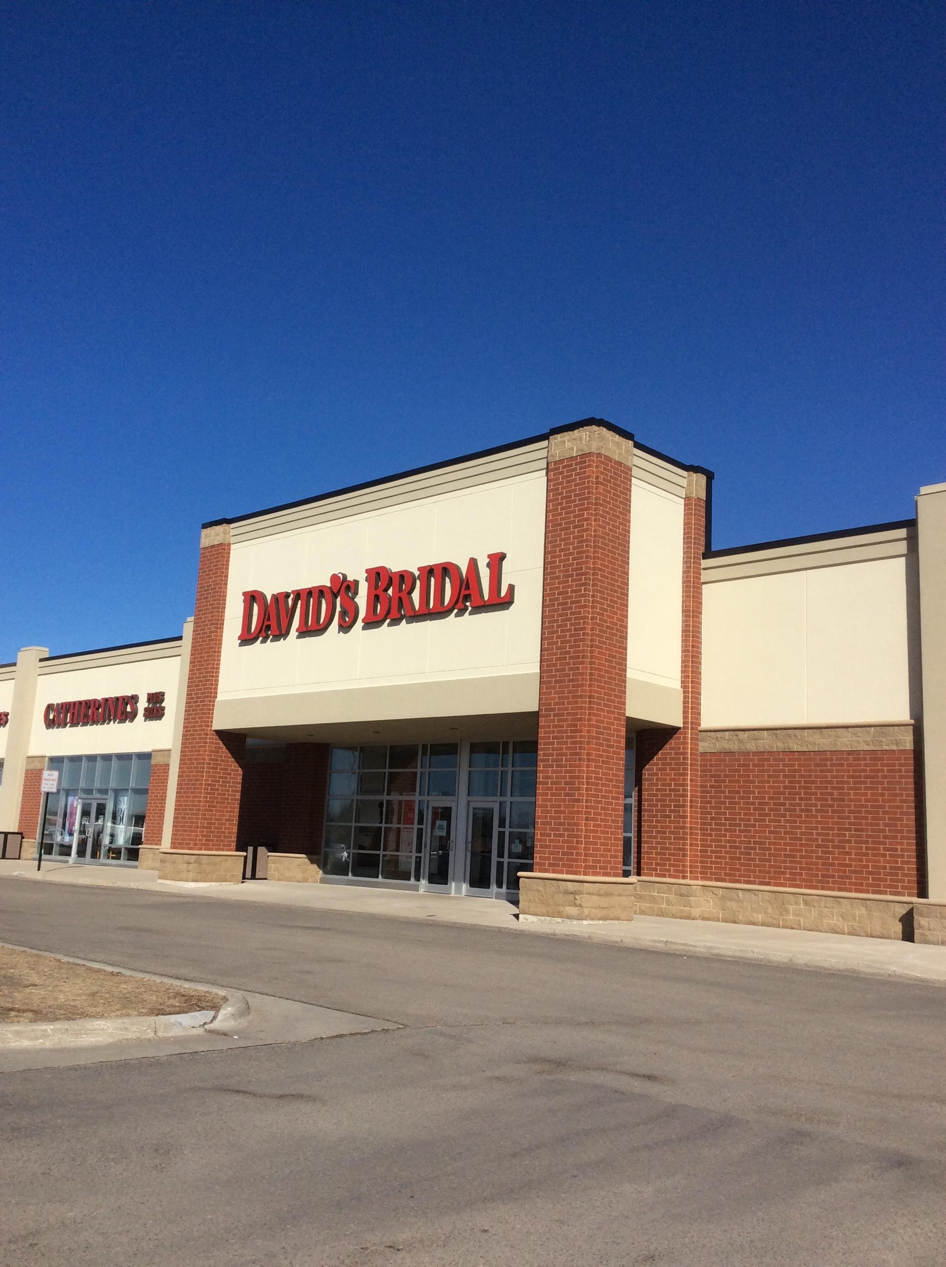 c5181074325e David's Bridal 1500 13th Avenue East, Suite E Westgate Commons West Fargo,  ND Partner Data Program - Mapquest - David's Bridal - MapQuest