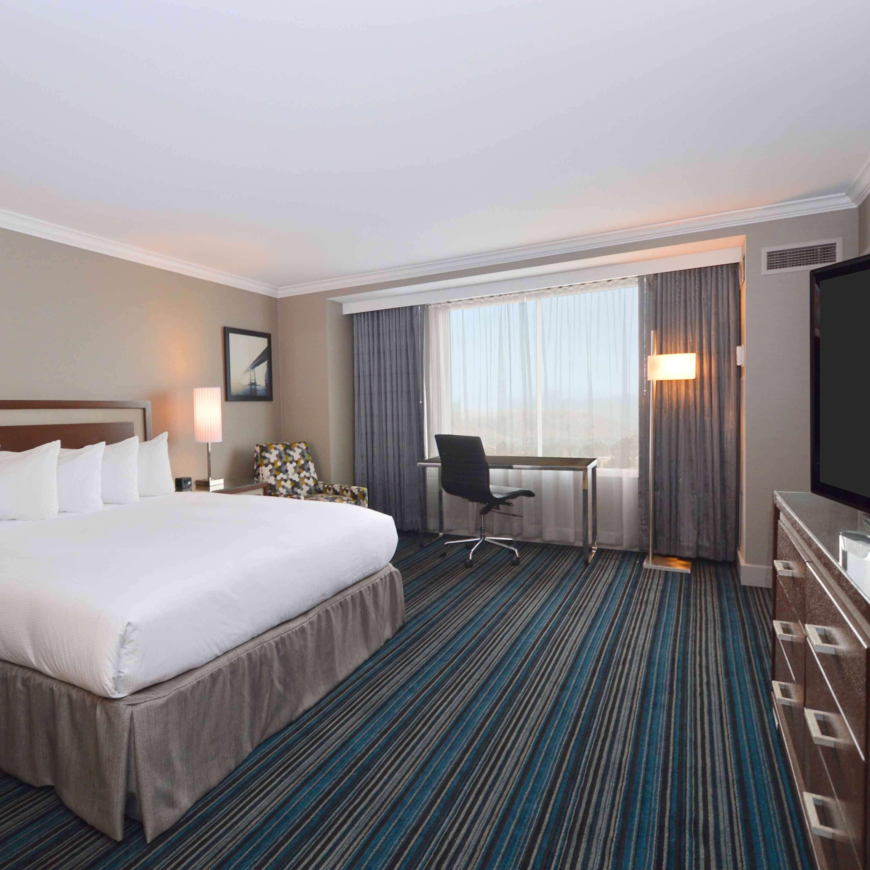 DoubleTree by Hilton Hotel Newark - Fremont image 29