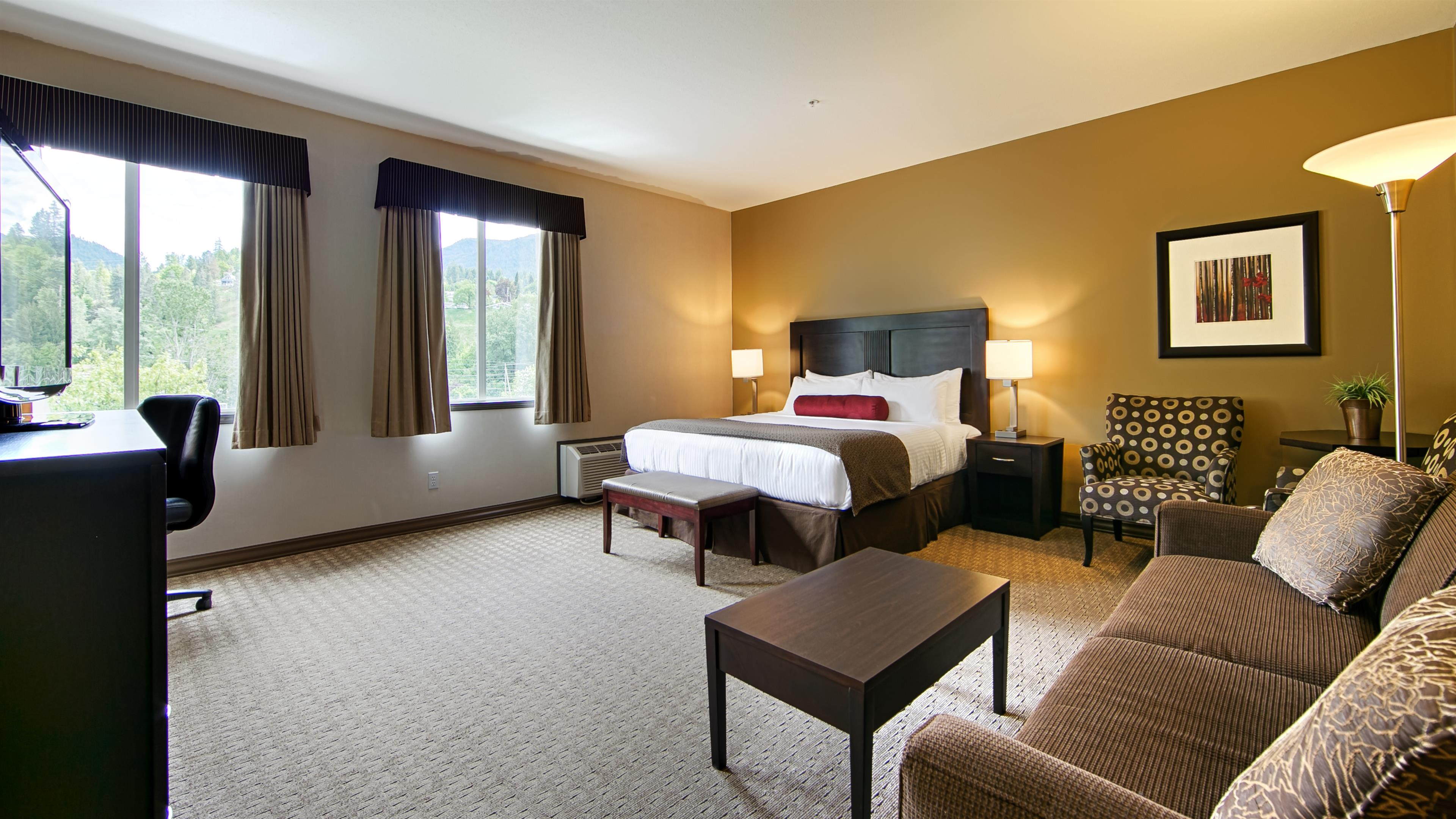 Best Western Plus Baker Street Inn & Convention Centre in Nelson: Deluxe King Guest Room