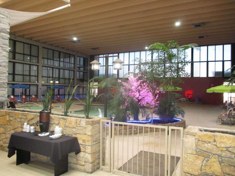 SureStay Plus Hotel by Best Western Kansas City Northeast image 6