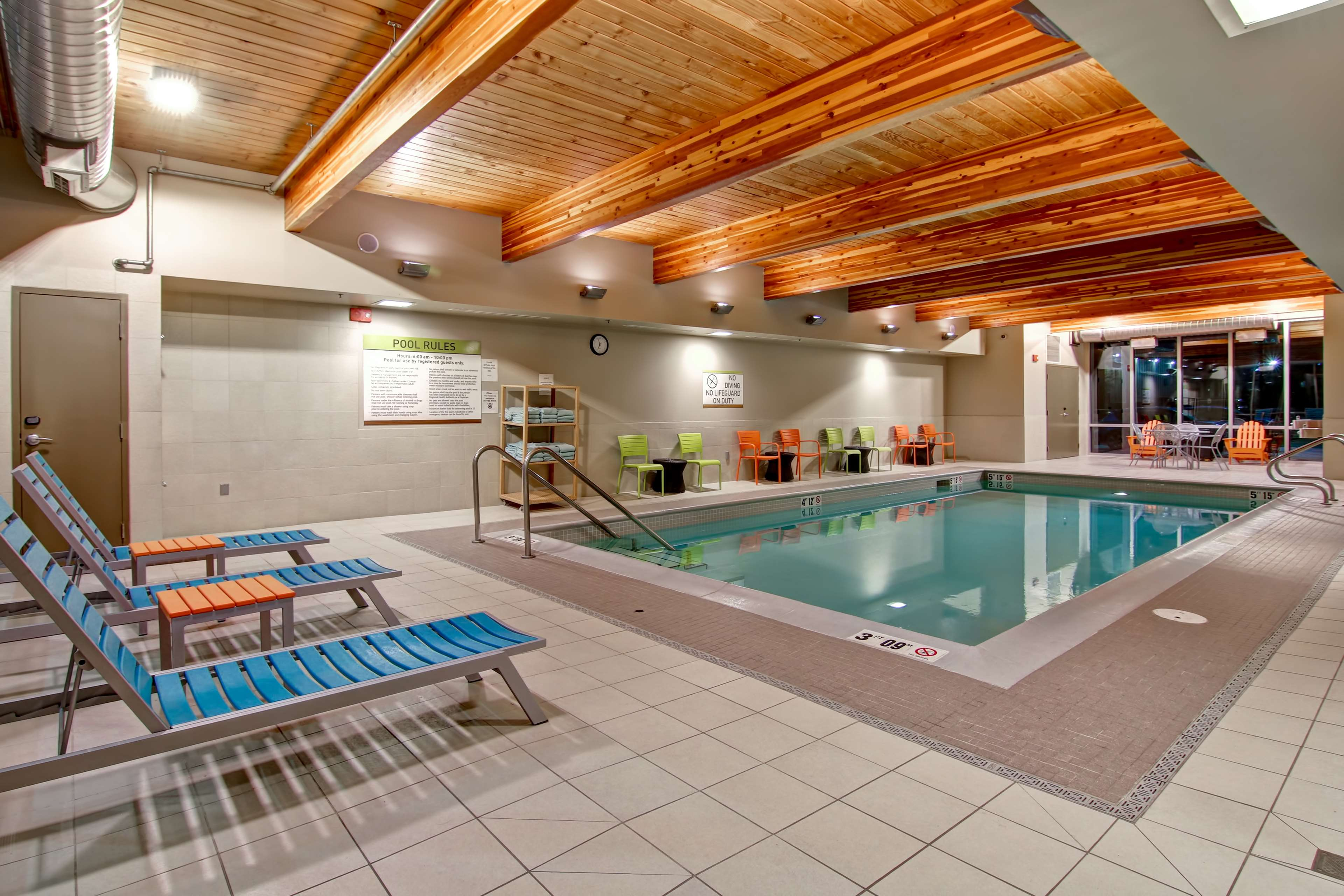 Home2 Suites by Hilton West Edmonton, Alberta, Canada à Edmonton: Pool