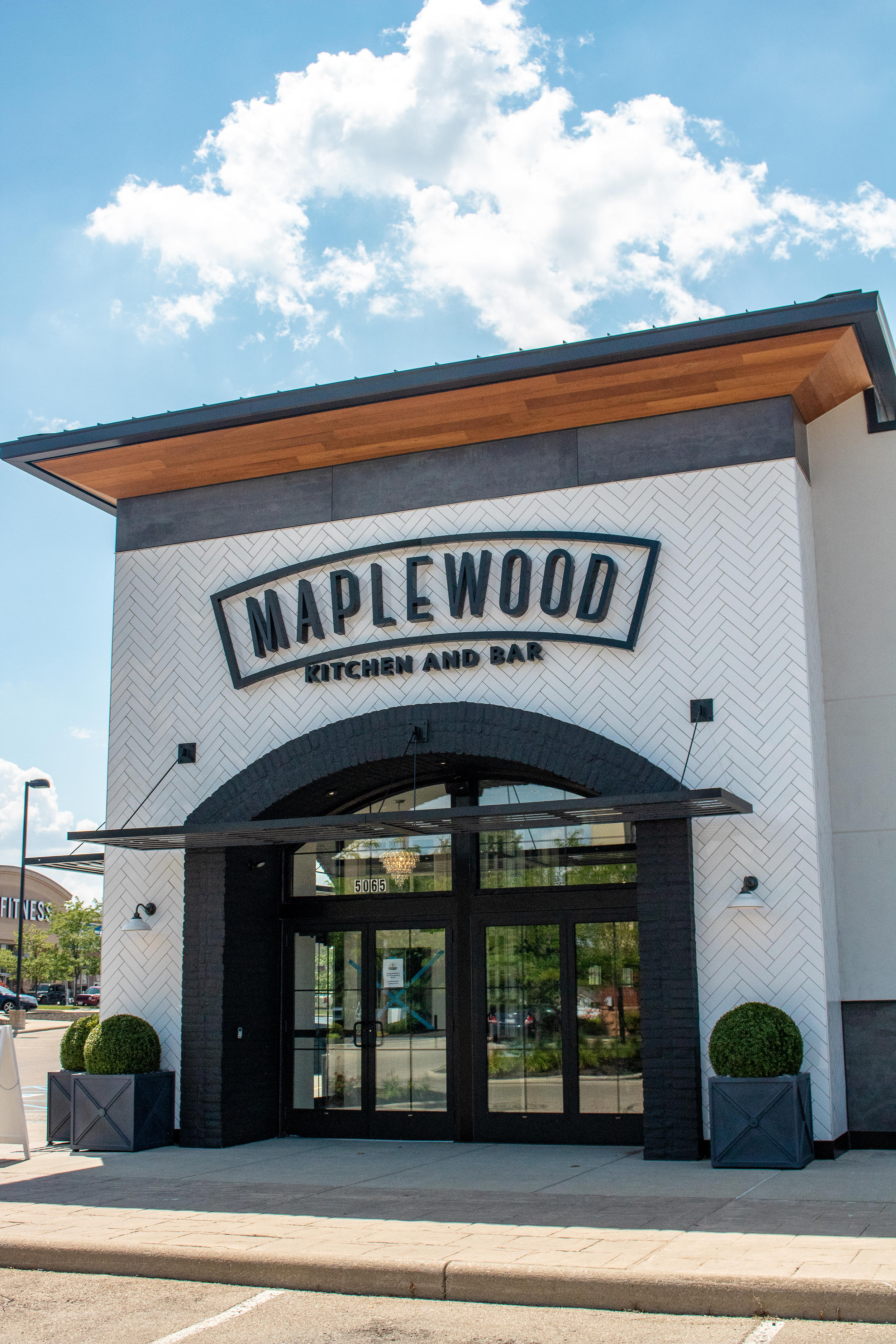 Maplewood Kitchen And Bar 5065 Deerfield Boulevard Mason Oh