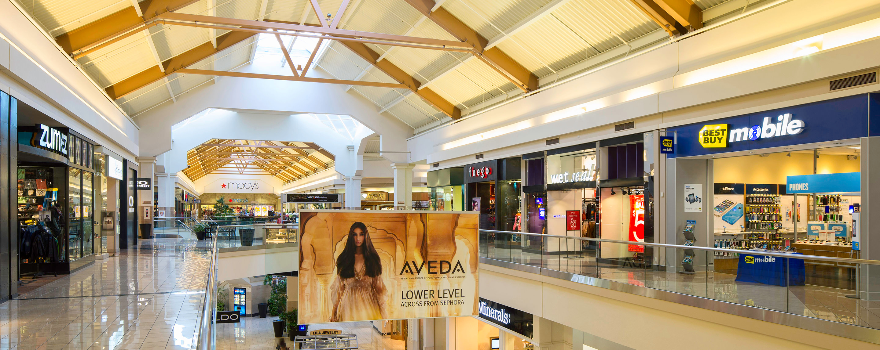Shopping Valley West Mall 77