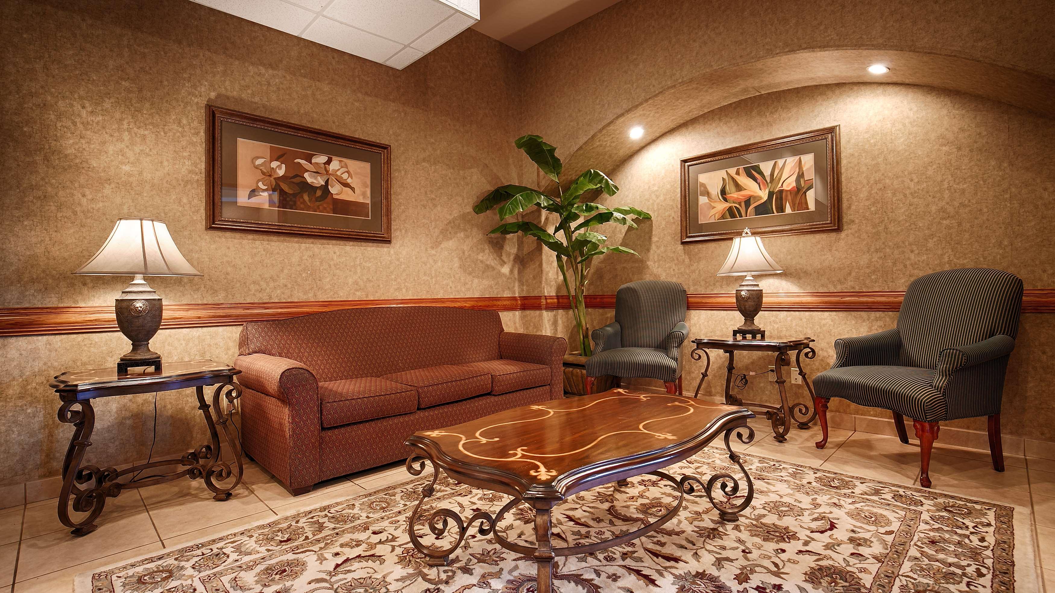 Best Western Casa Villa Suites image 27