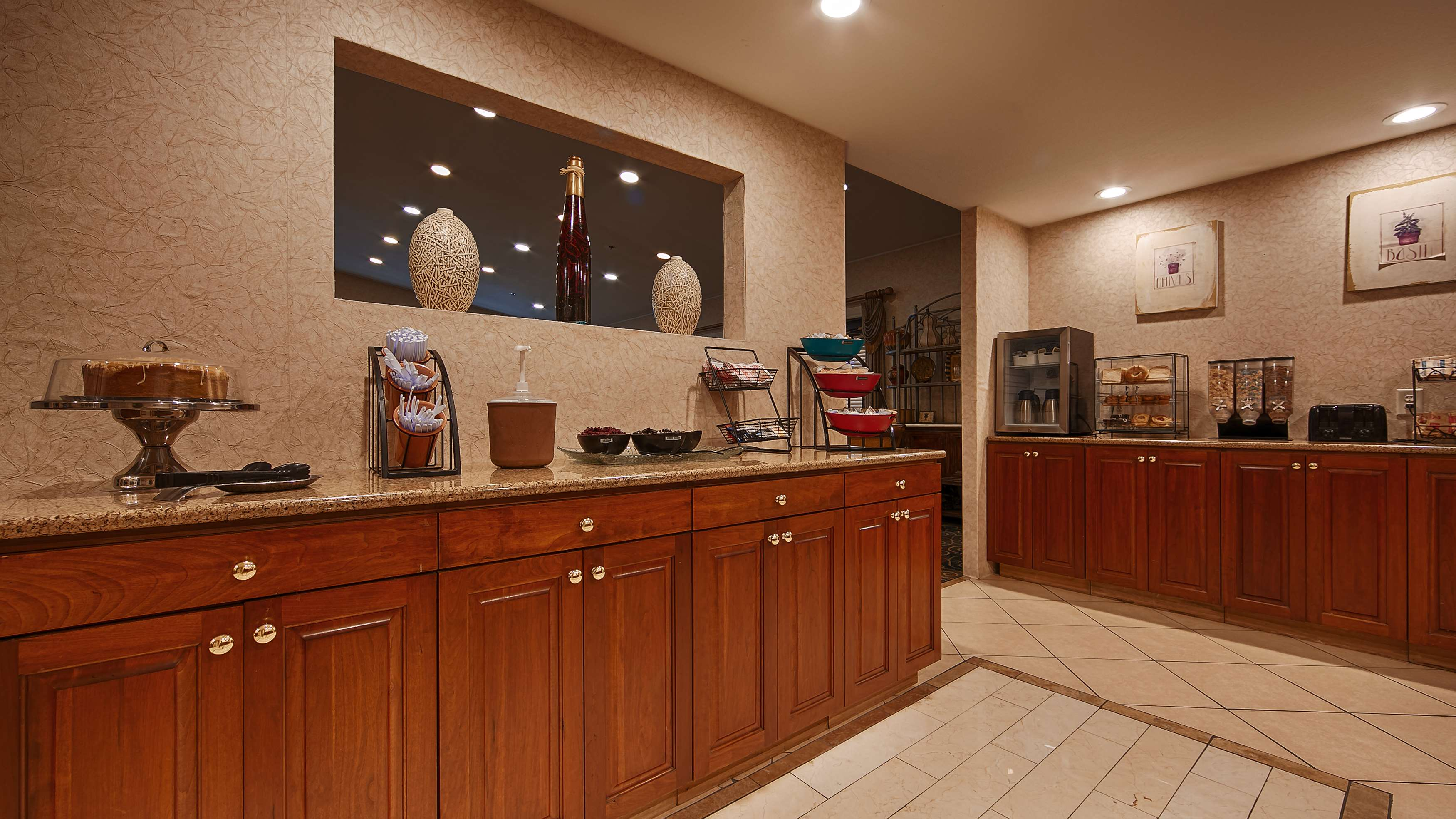 Best Western Plus Bessemer Hotel & Suites image 37