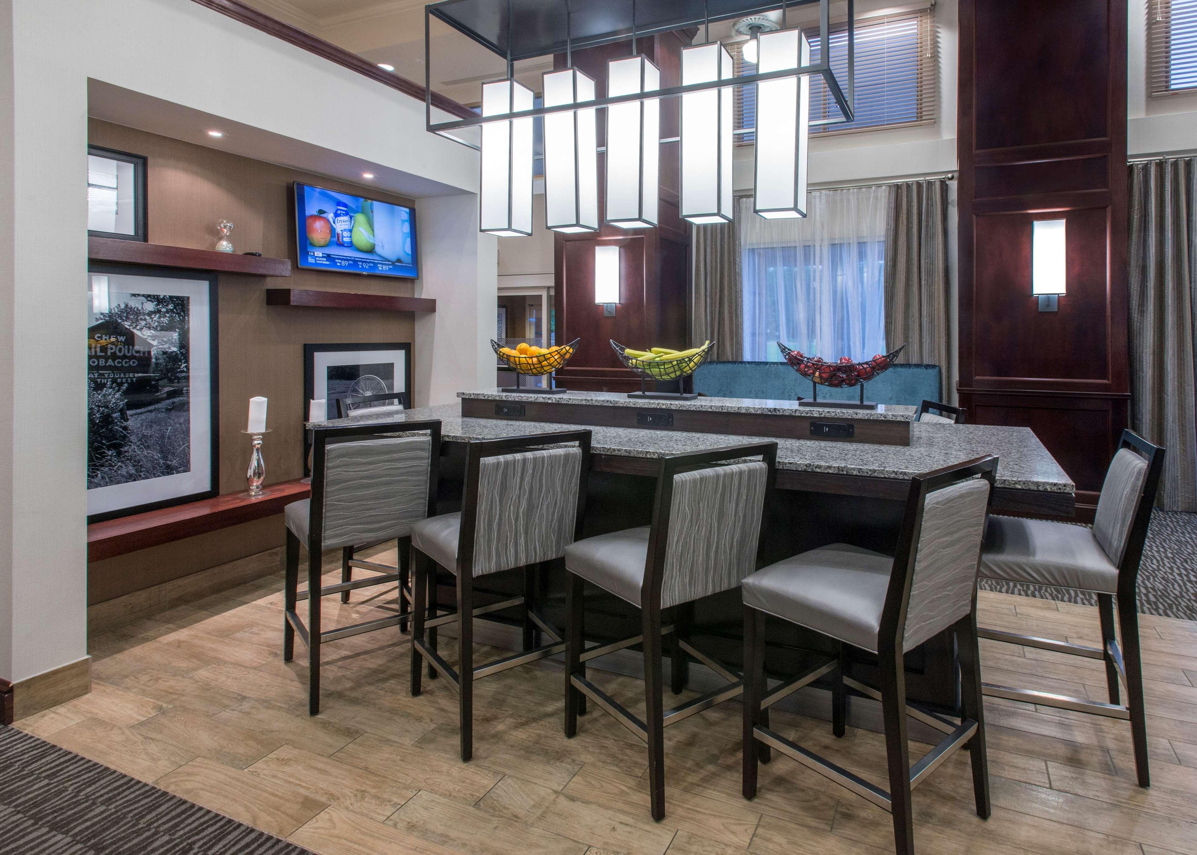 Hampton Inn & Suites Jackson image 5