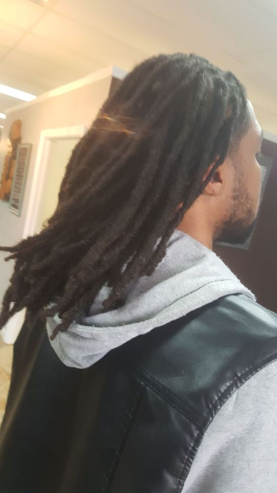 Dreadlocks & Weave Spa image 0