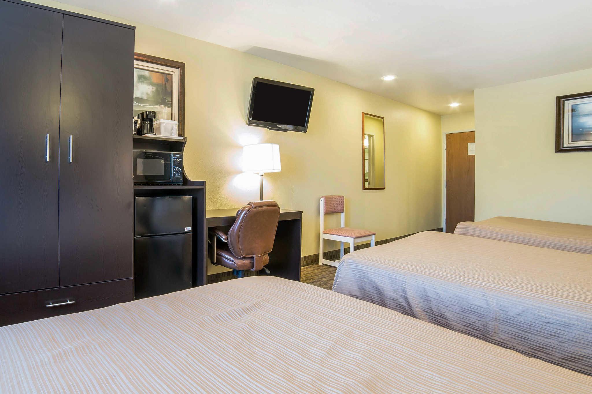 Quality Inn & Suites Elko image 24