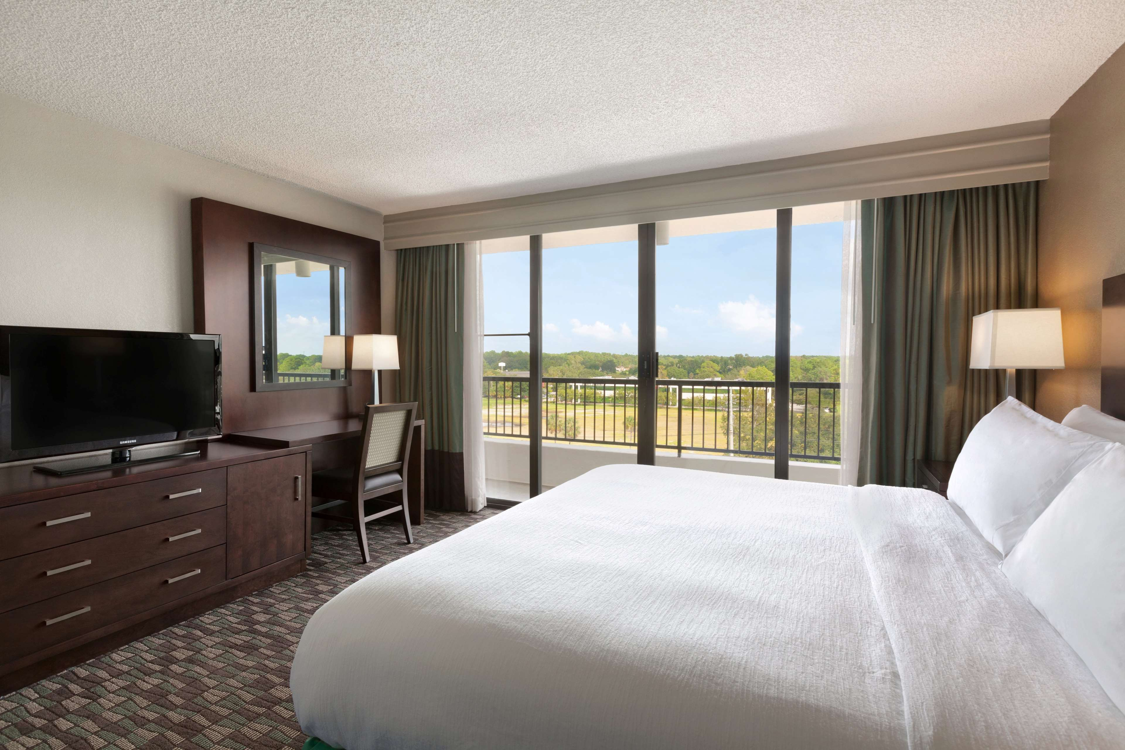 Embassy Suites by Hilton Jacksonville Baymeadows image 21