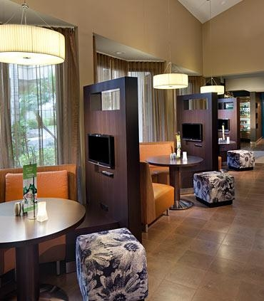Courtyard by Marriott Miami Lakes image 6