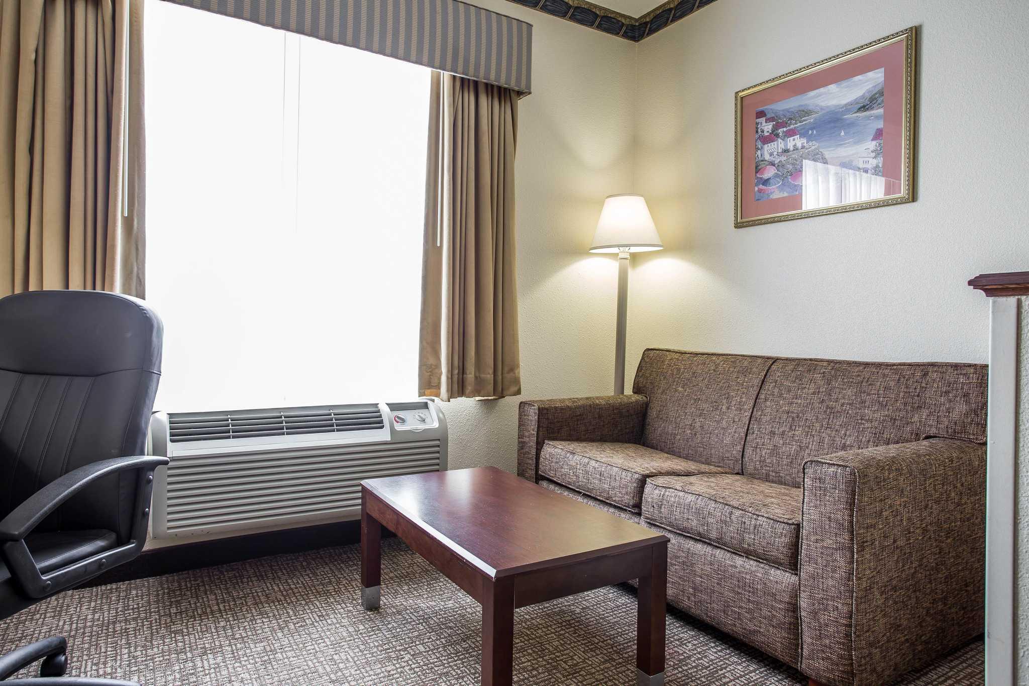 Comfort Inn & Suites Ft.Jackson Maingate image 25