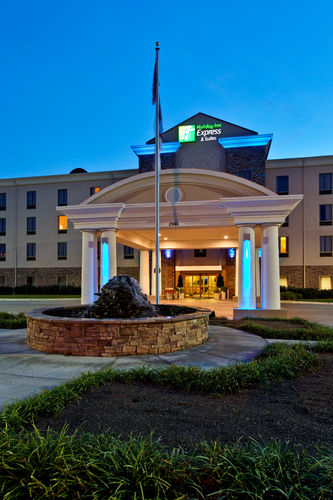 Holiday Inn Express & Suites Morristown - ad image