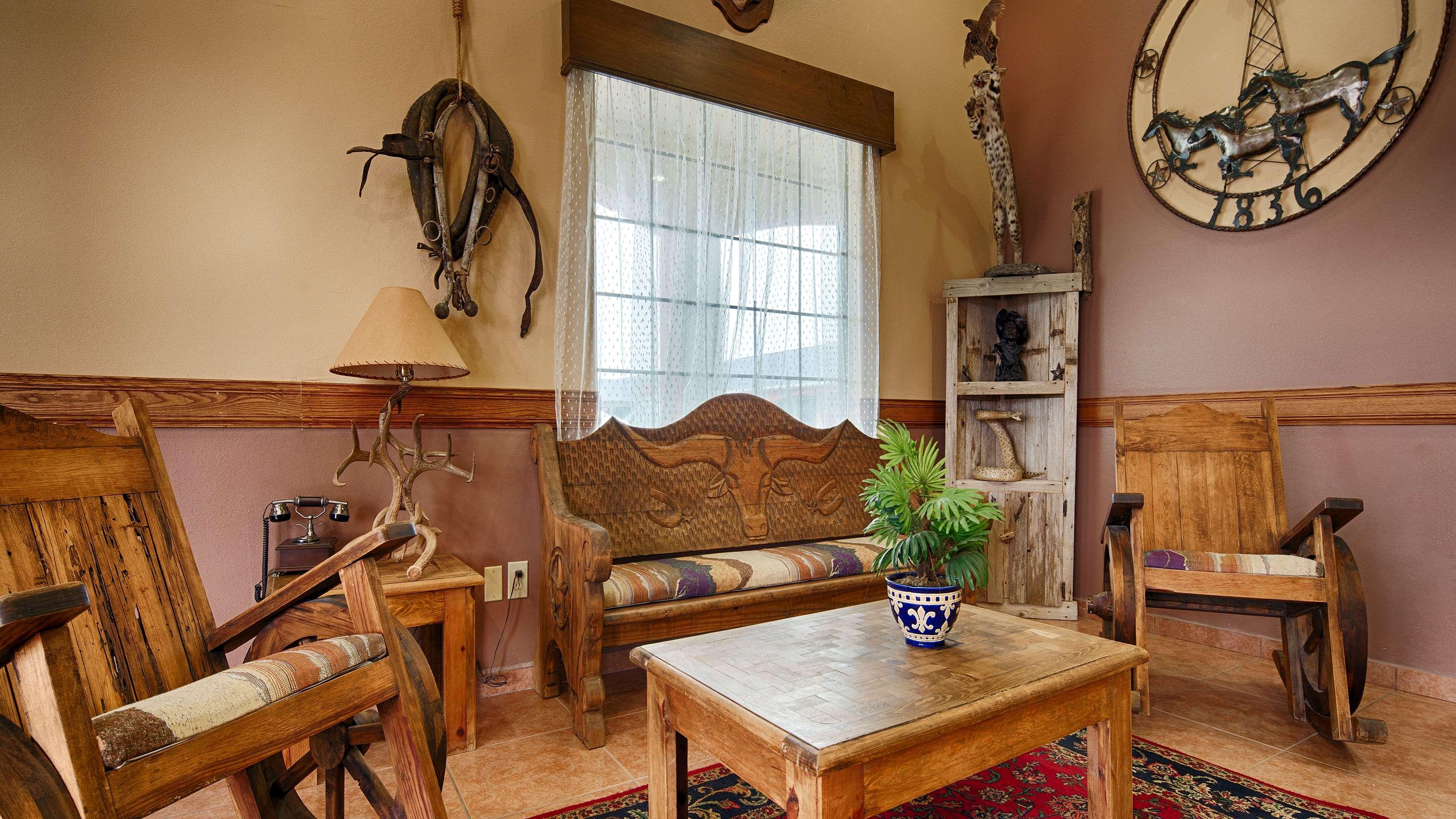 Best Western Windwood Inn & Suites image 3
