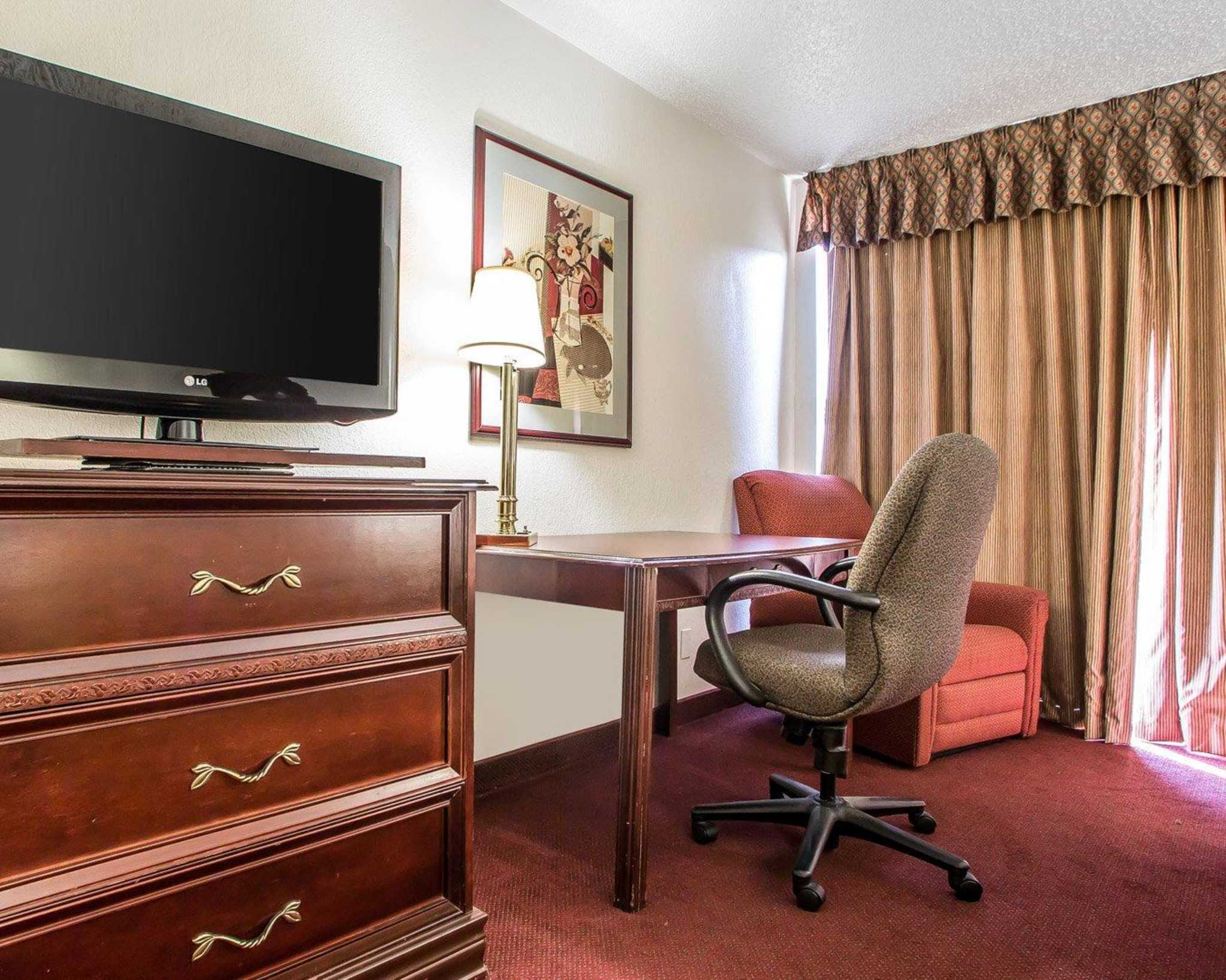Clarion Hotel Highlander Conference Center image 26