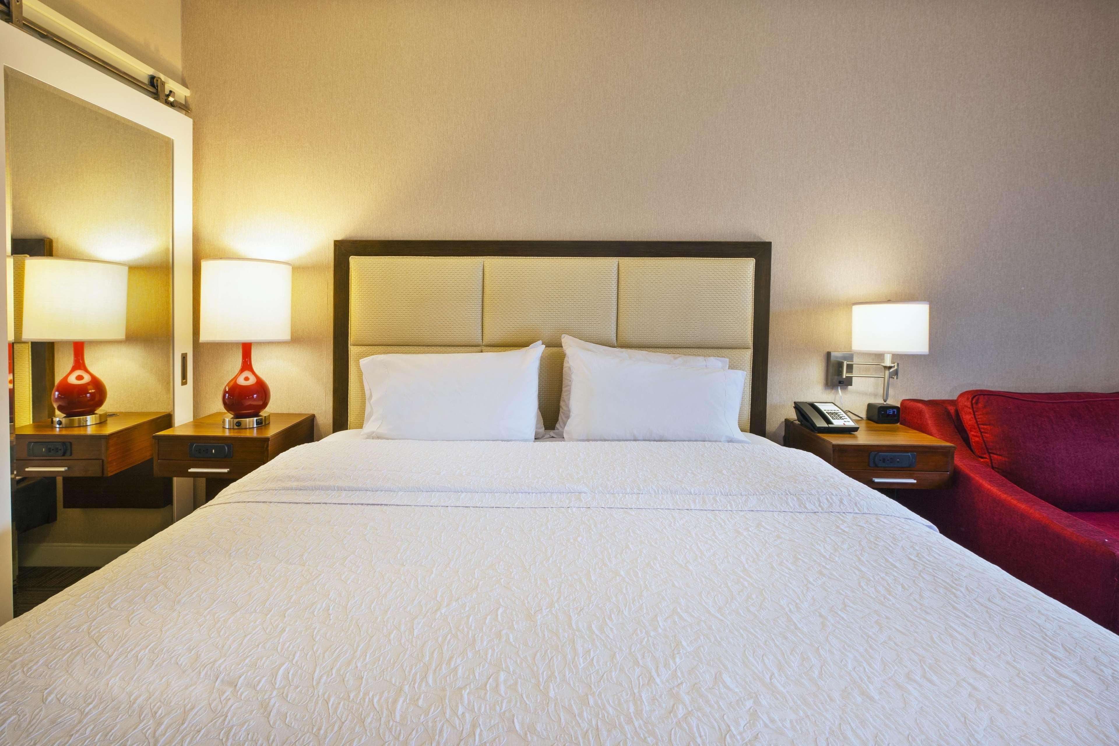 Hampton Inn & Suites Providence/Warwick-Airport image 48