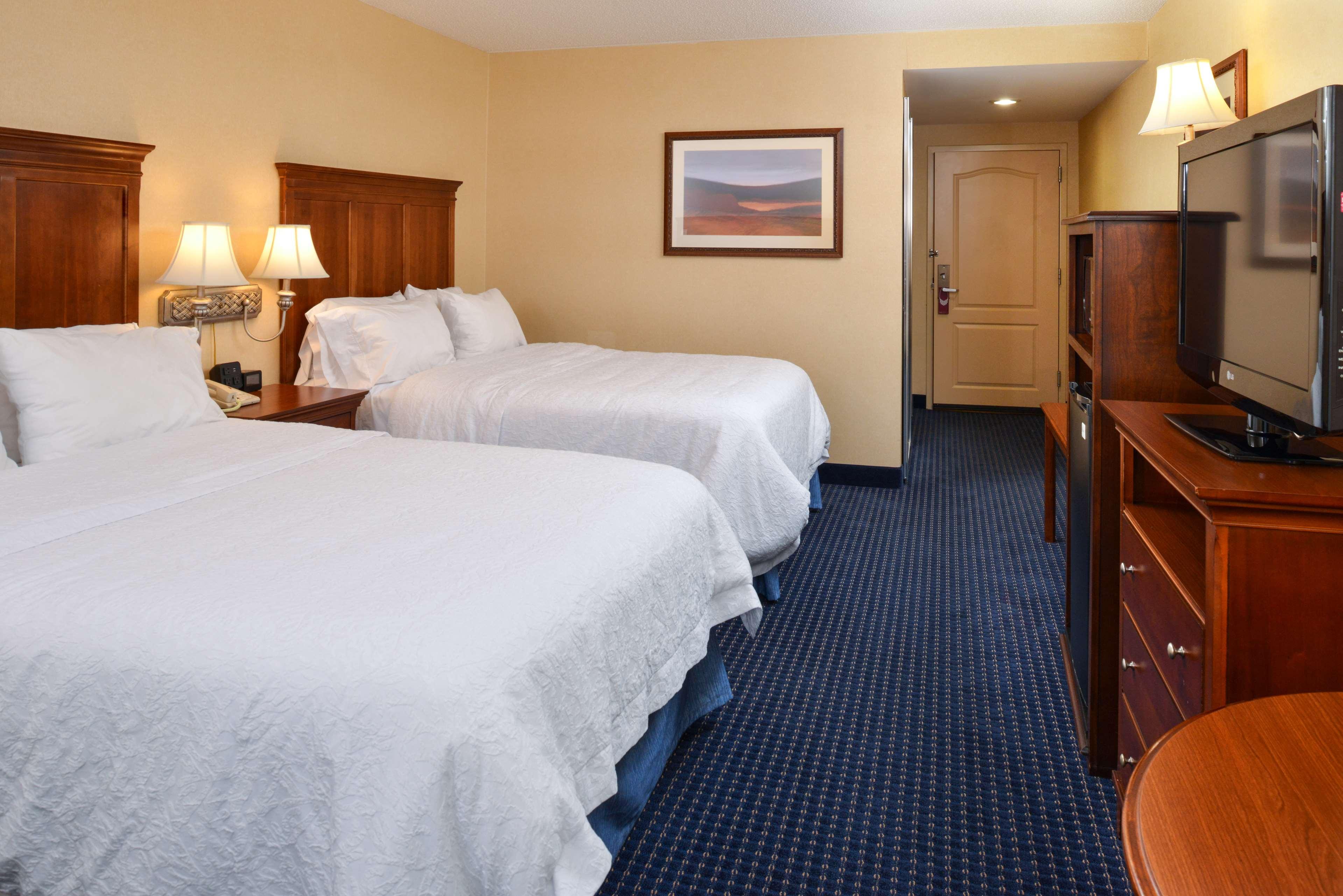 Hampton Inn & Suites Fredericksburg South image 43
