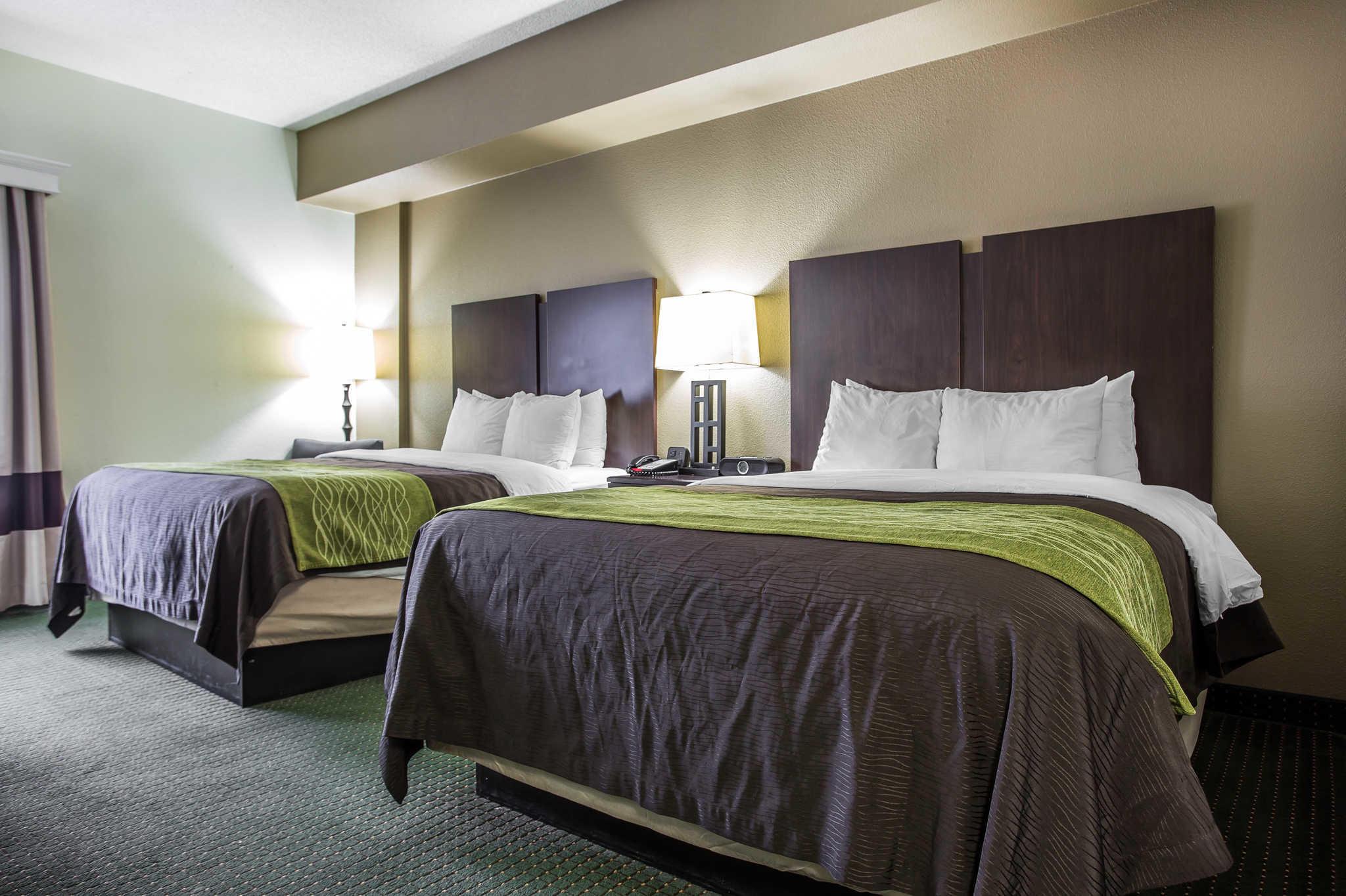 Comfort Inn & Suites Lake Norman image 4