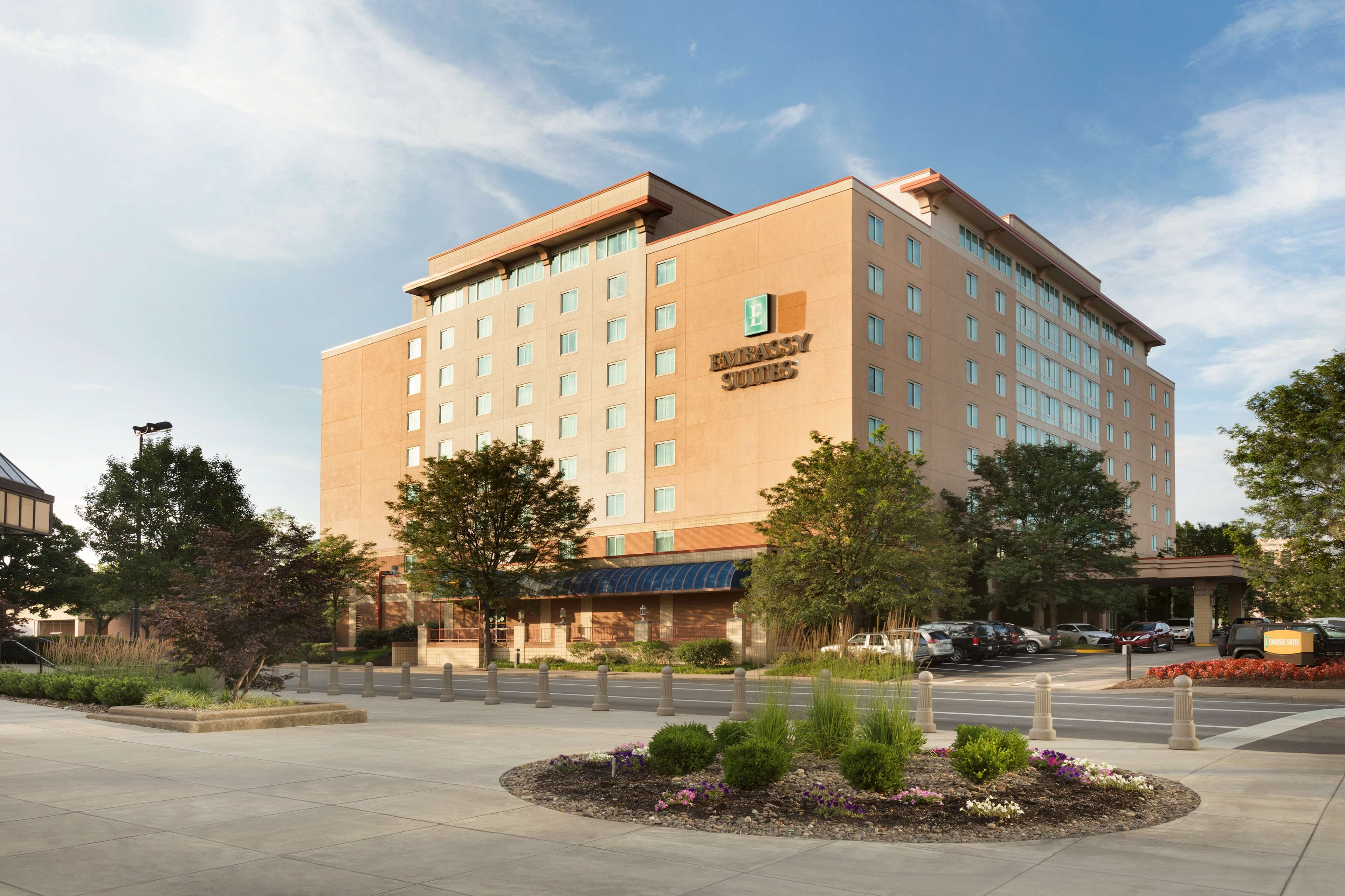 Embassy Suites by Hilton Charleston image 1