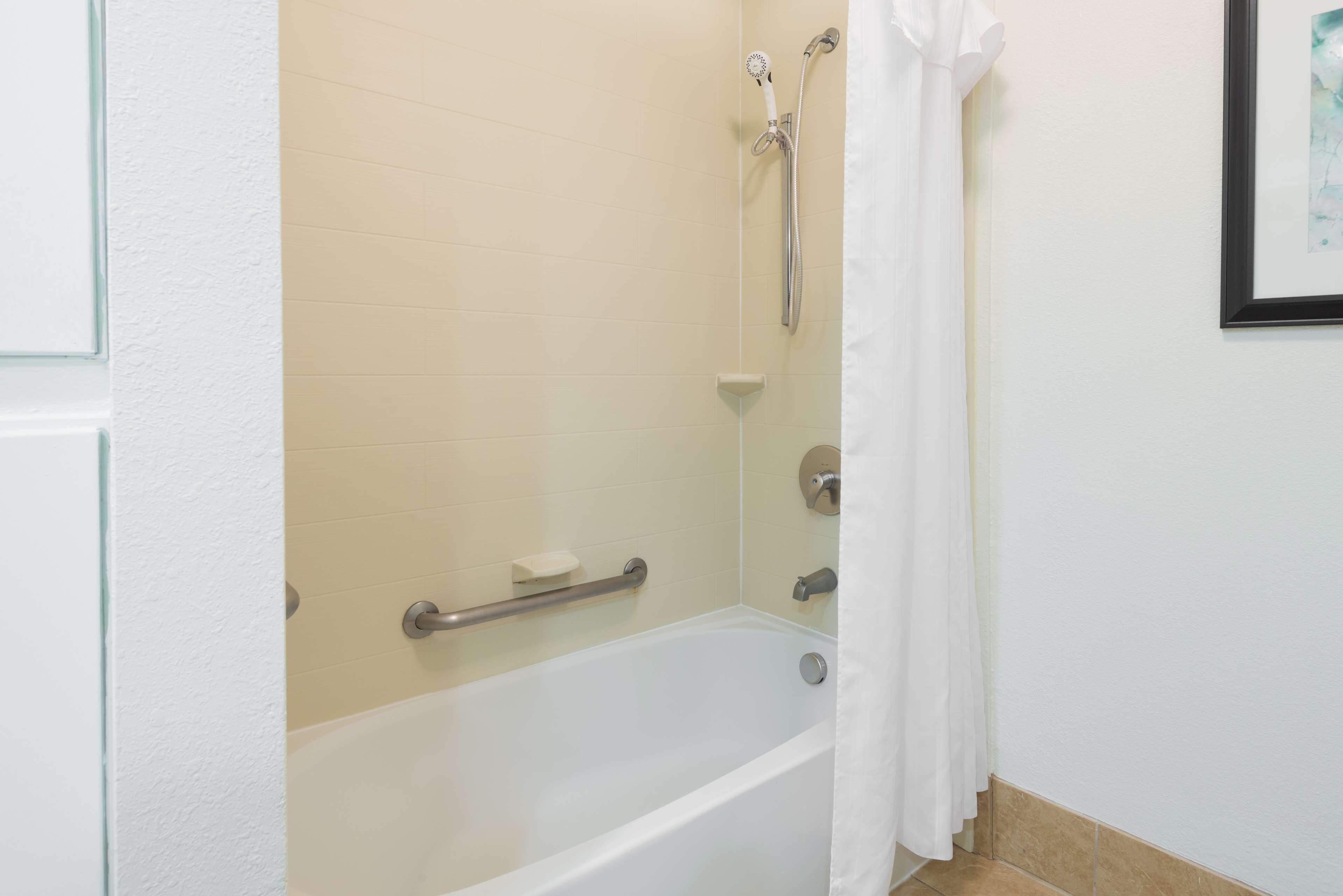 Homewood Suites by Hilton Charlotte-North/Univ Research Park image 15