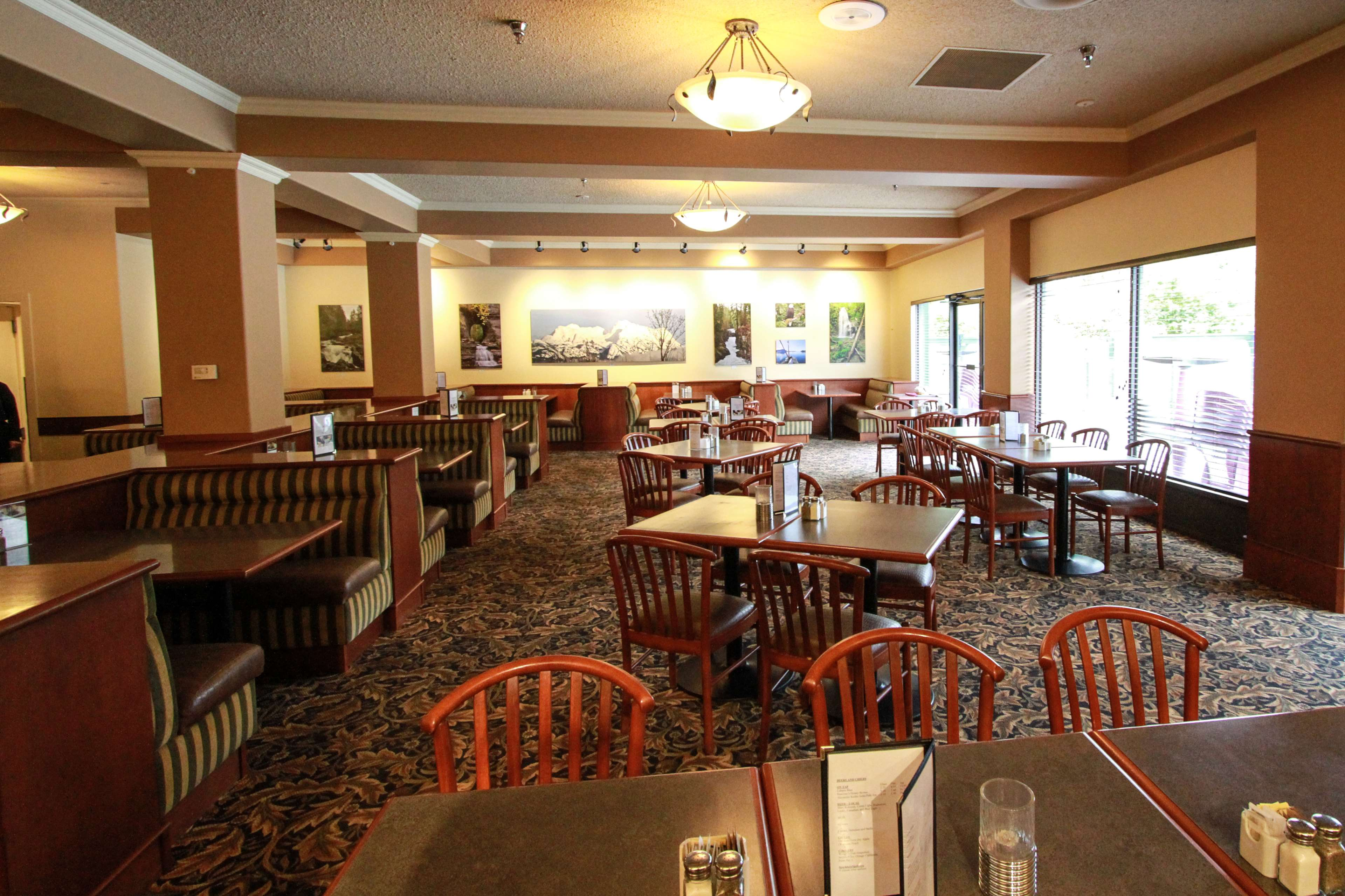 Best Western Plus Barclay Hotel in Port Alberni: Groups of up to 30 people welcome. Reservations recommended.