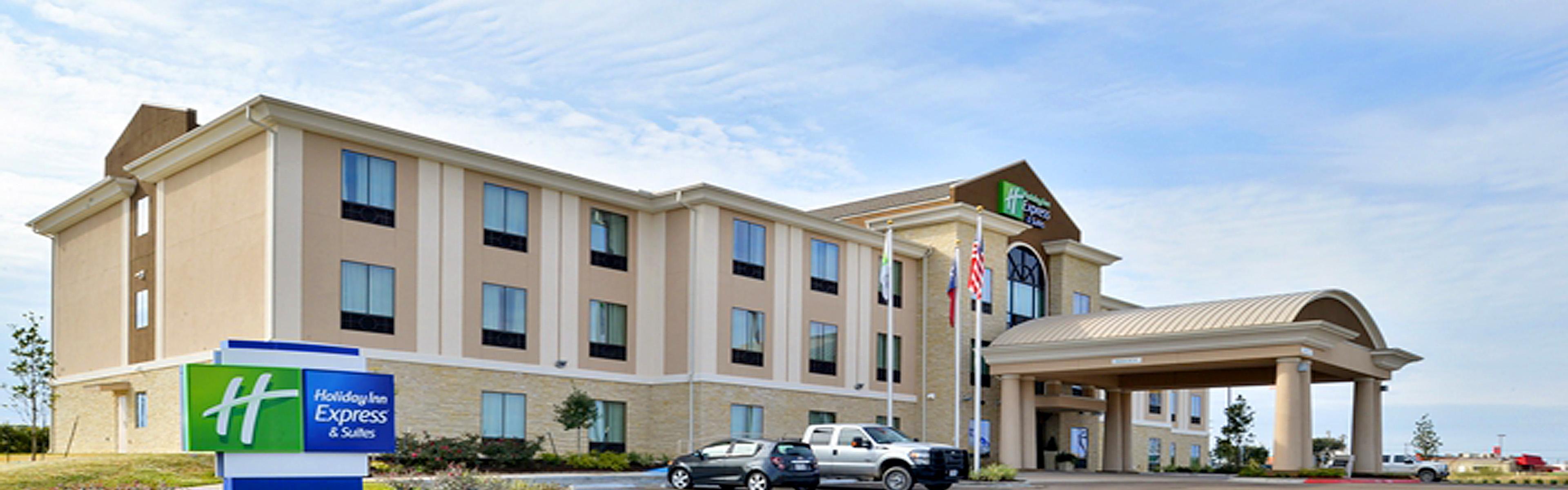 Holiday Inn Express & Suites Schulenburg image 0