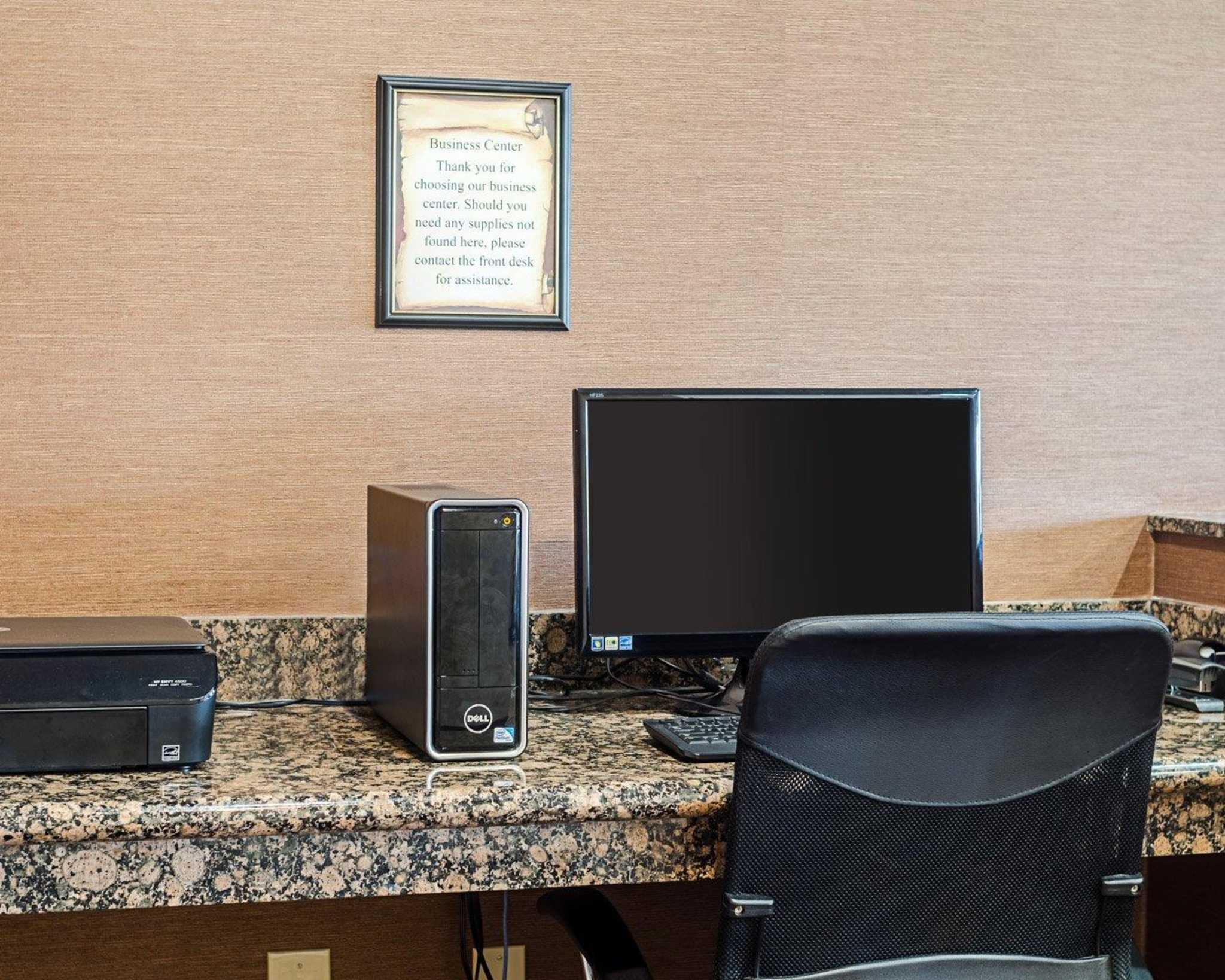 Comfort Inn & Suites Lawrence - University Area image 36