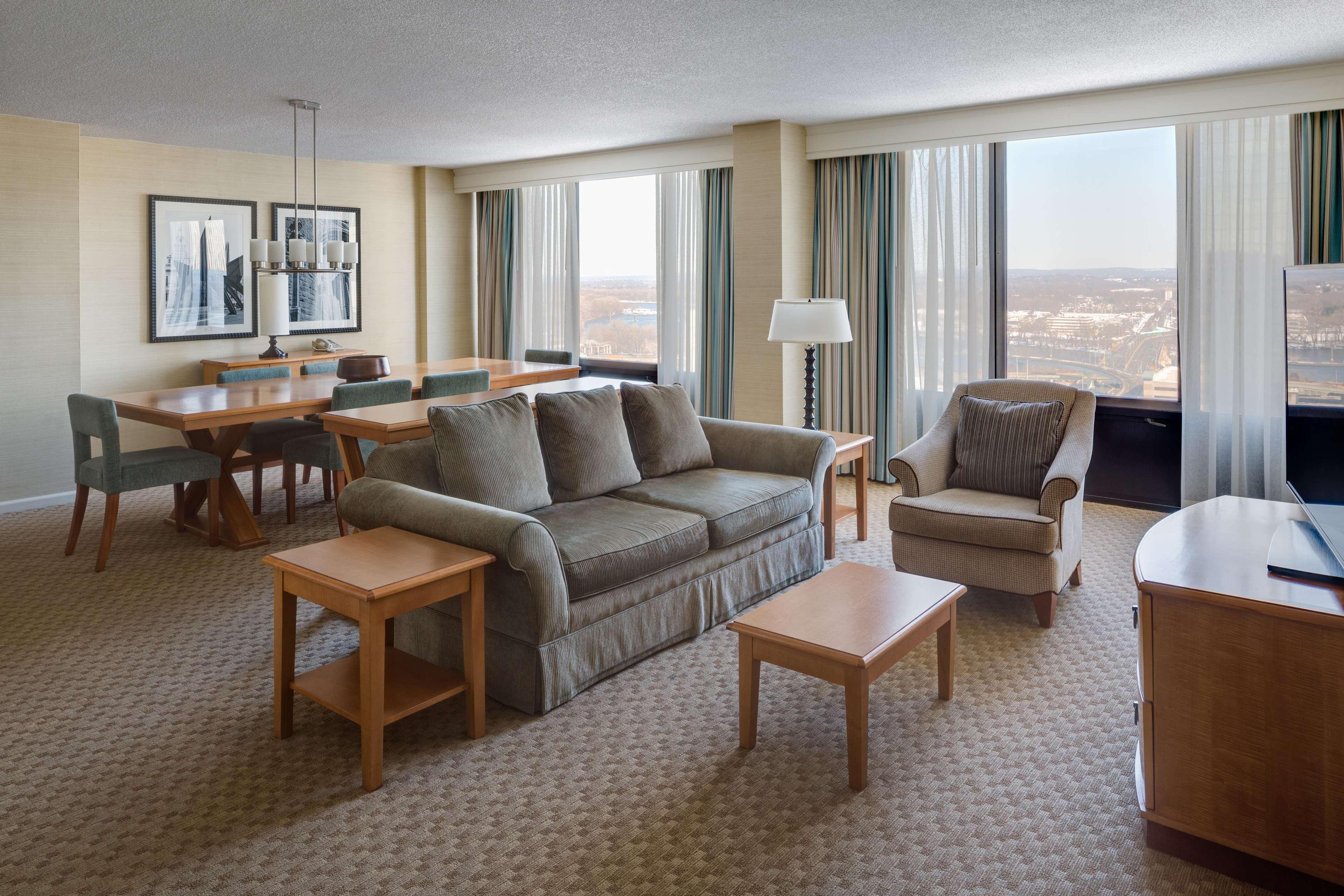 Hilton Hartford image 27