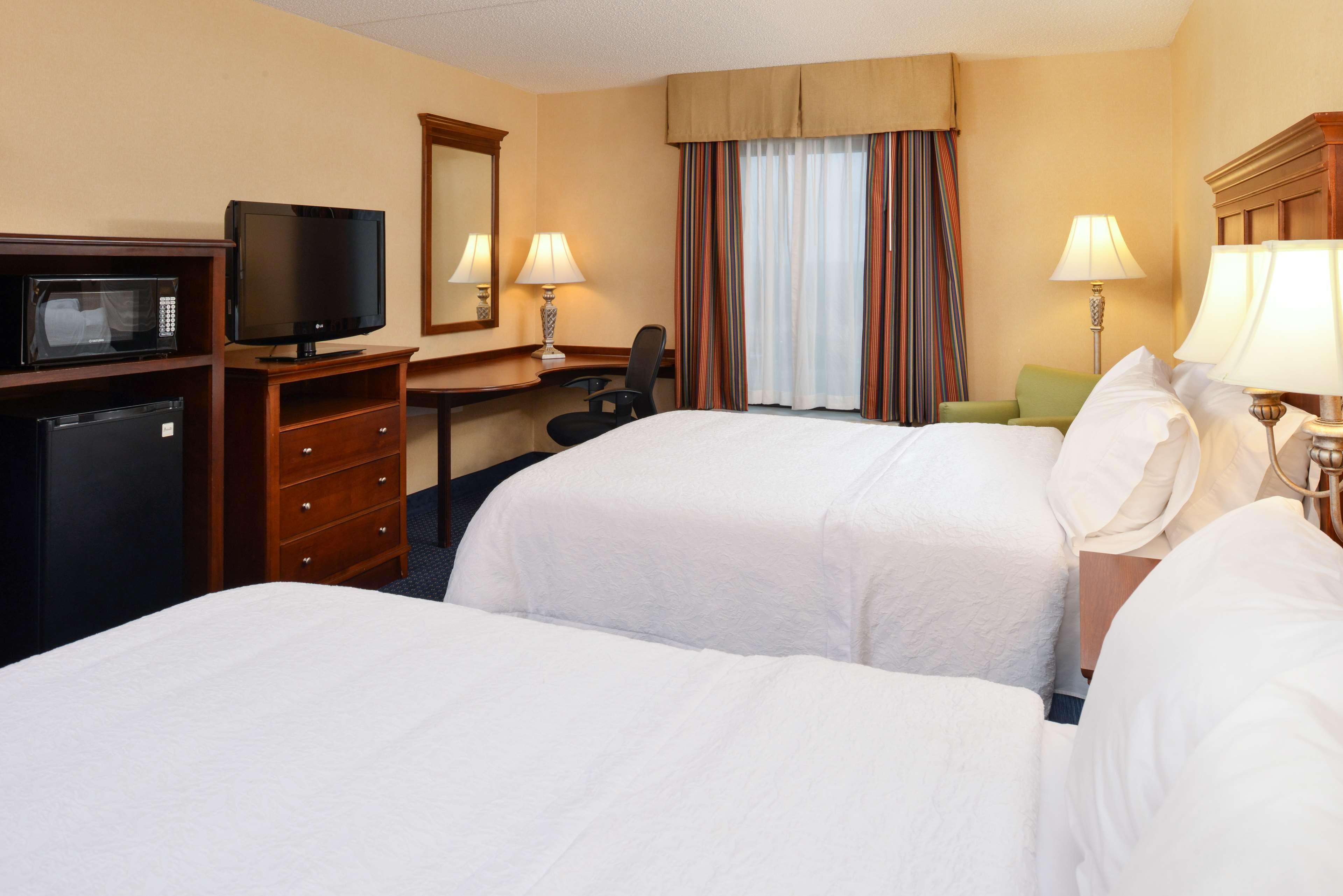 Hampton Inn & Suites Fredericksburg South image 34