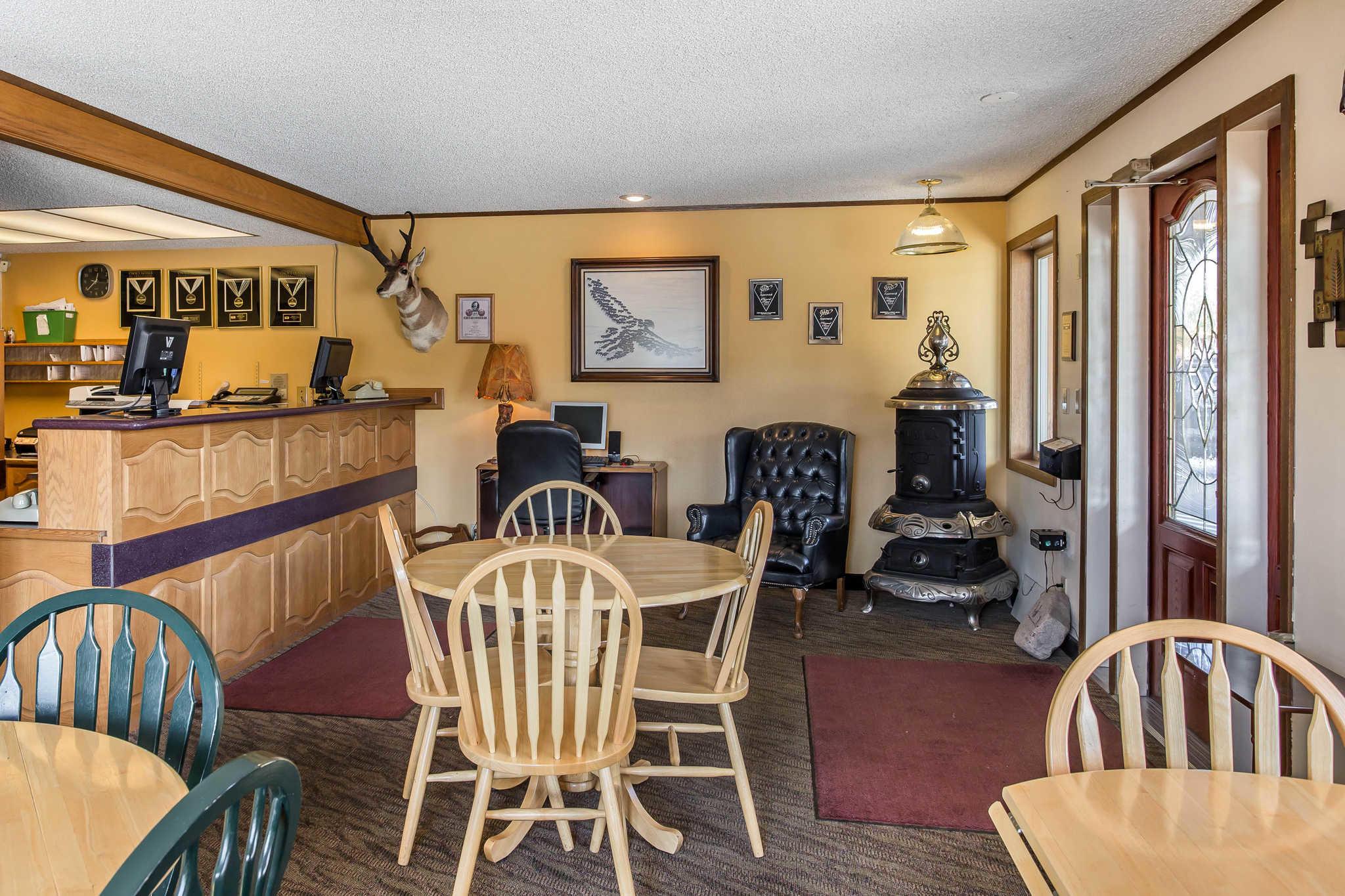 Rodeway Inn Pronghorn Lodge image 31