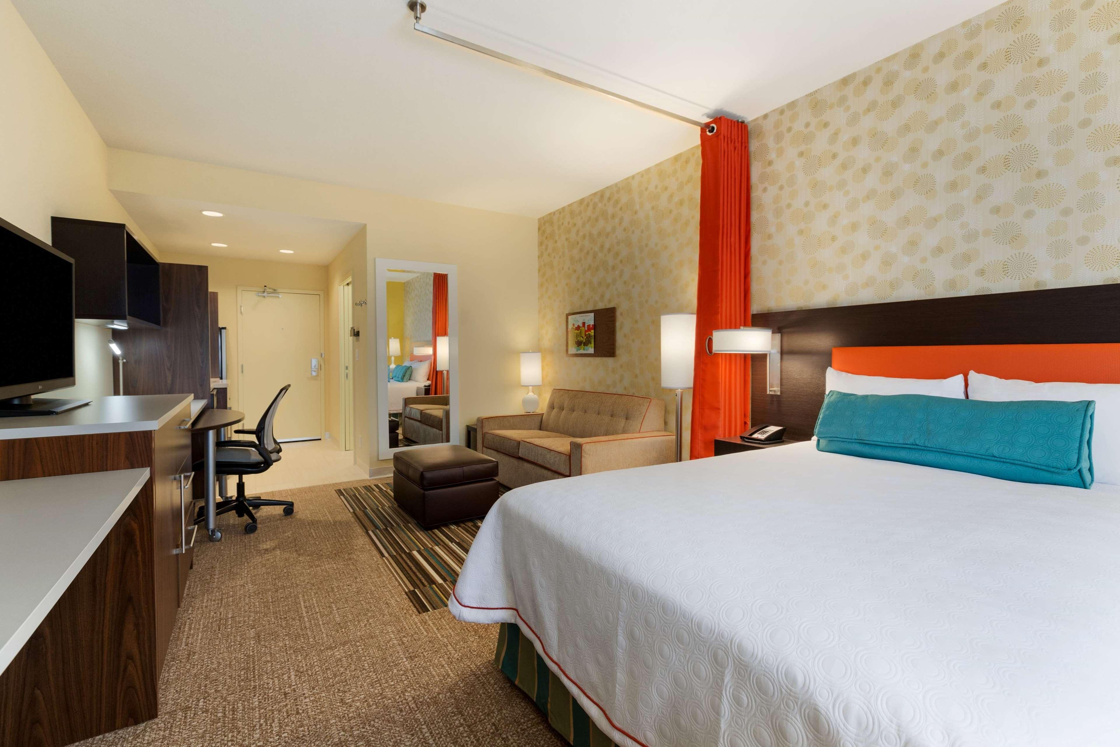 Home2 Suites by Hilton West Edmonton, Alberta, Canada à Edmonton: 1 Queen Studio Suite Room