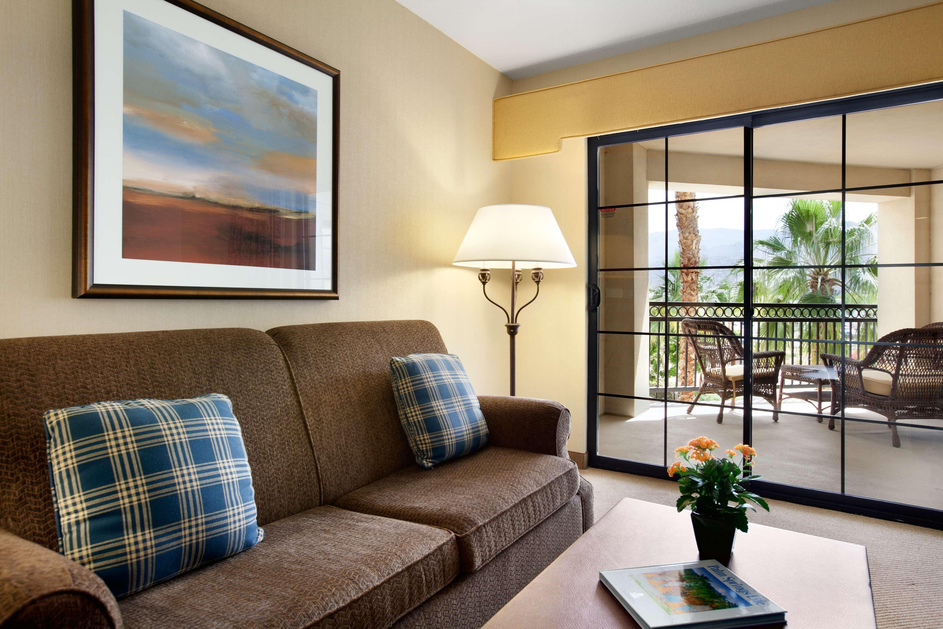 Embassy Suites by Hilton La Quinta Hotel & Spa image 28