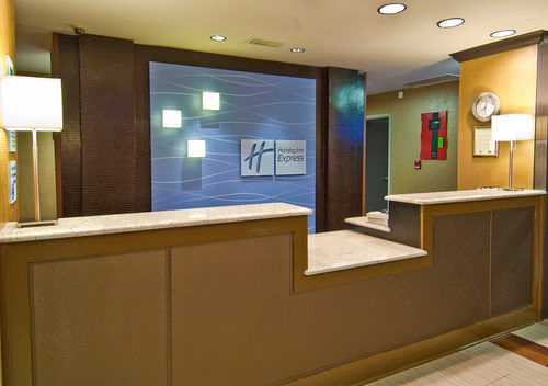Holiday Inn Express & Suites Olive Branch image 3
