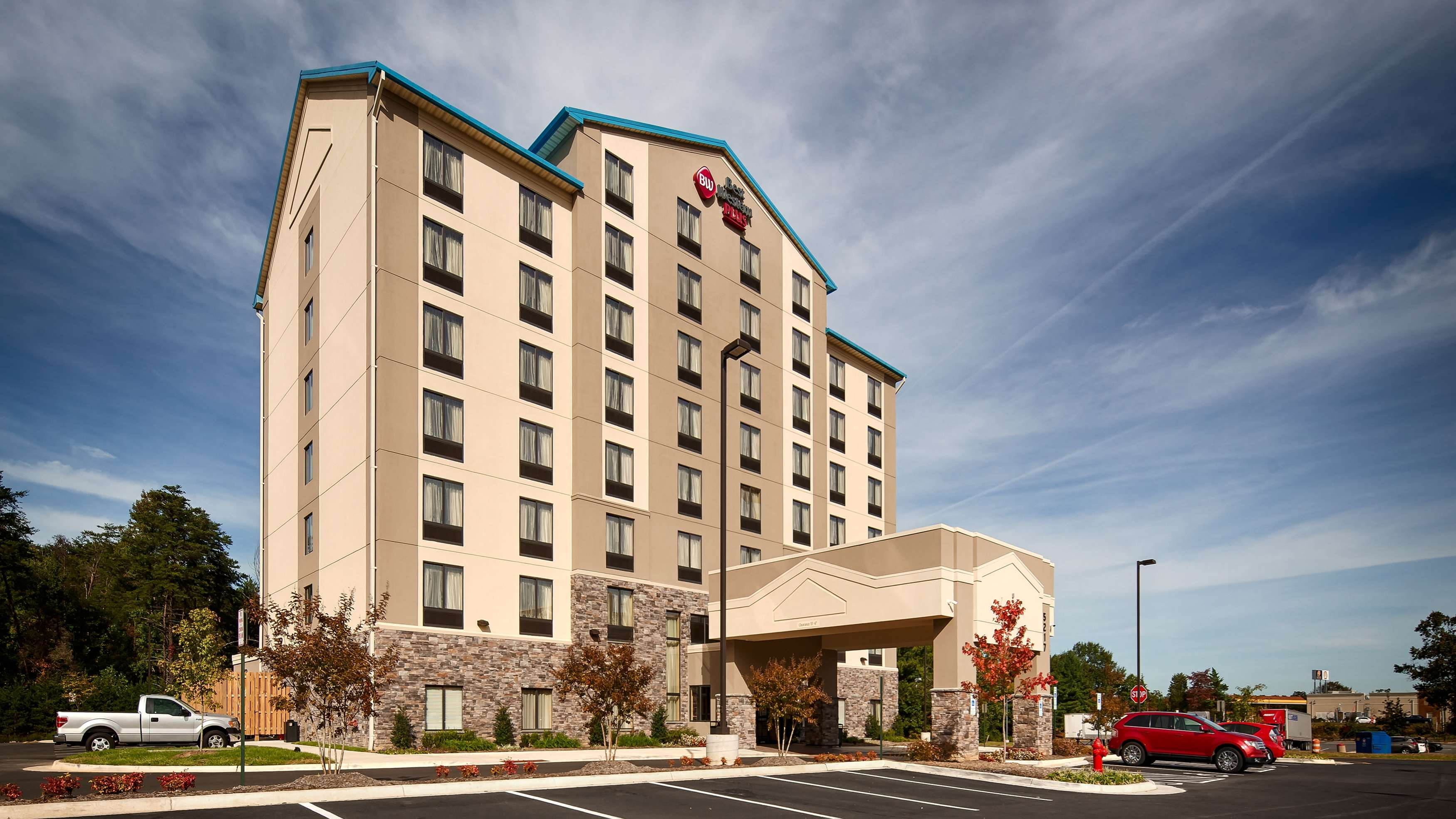 Best Western Plus Thornburg Inn & Suites image 11